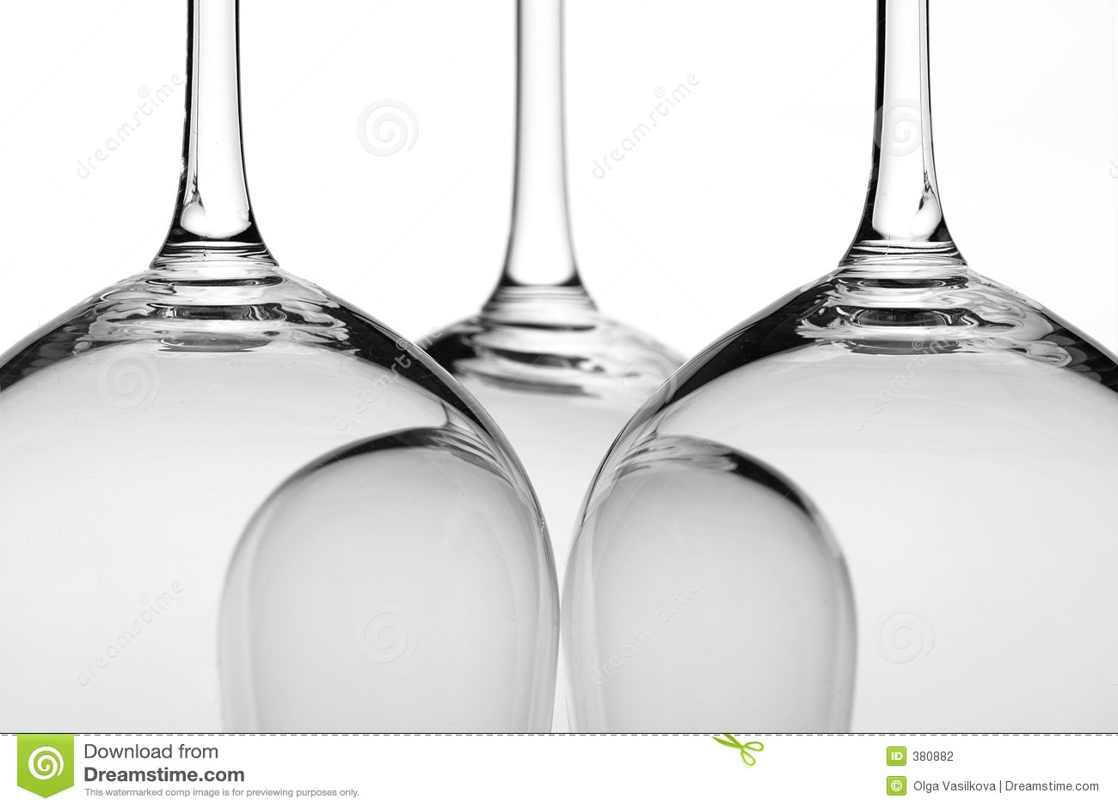 Plan rapproché trois en verre de vin