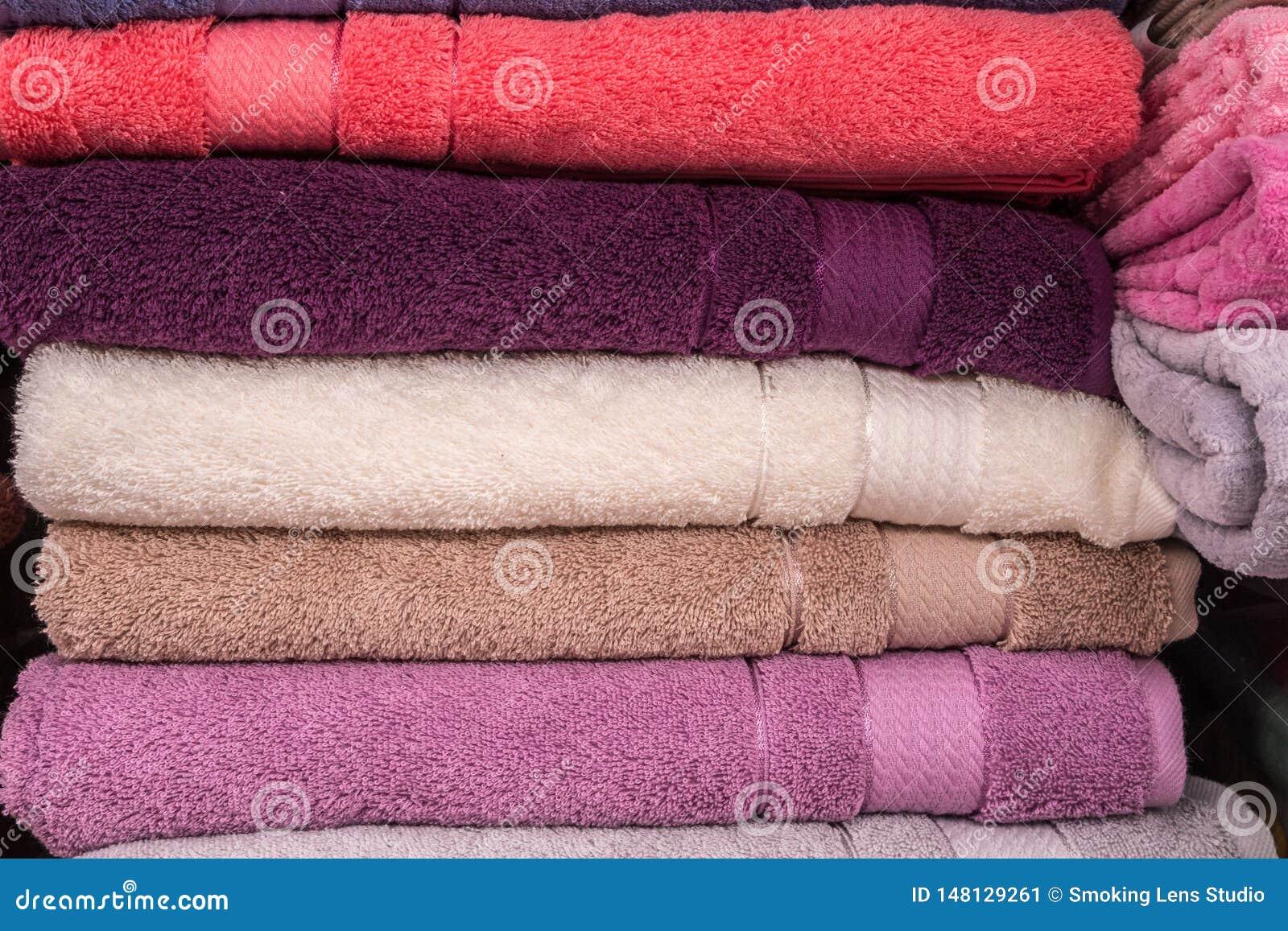 Plan rapproch? de serviettes de salle de bains