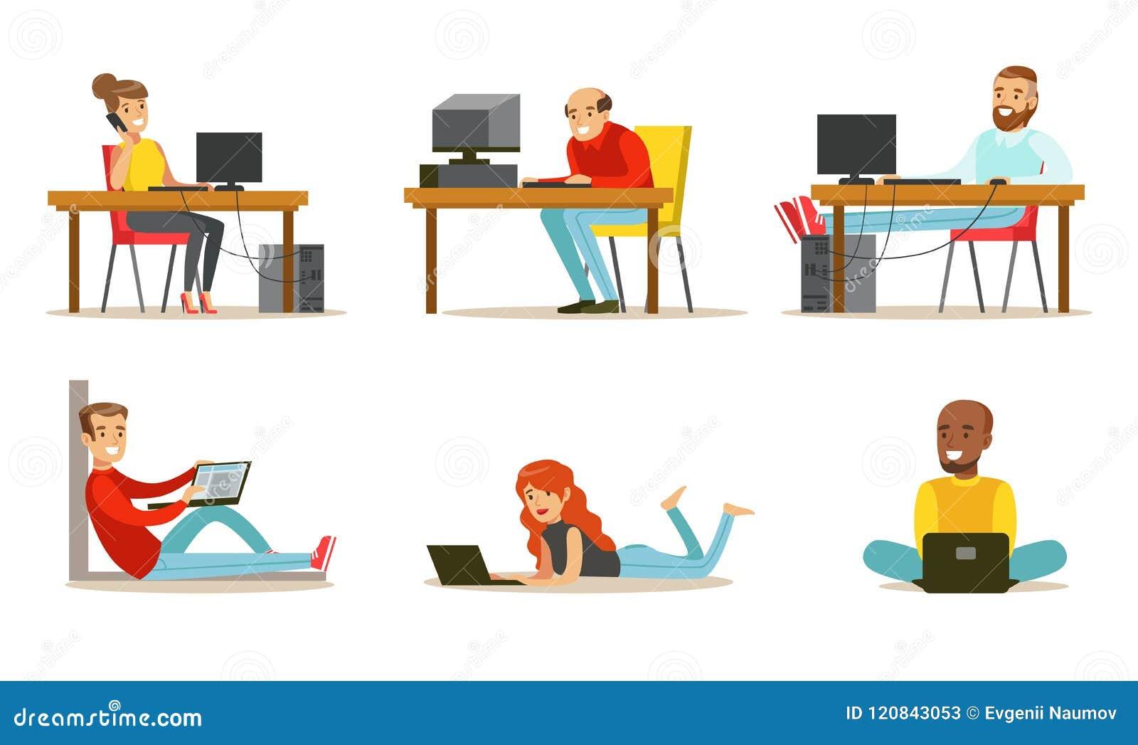 Plan vektoruppsättning av tecknad filmfolk med bärbara datorer och datorer Män och kvinnor som arbetar i internet som spelar vide