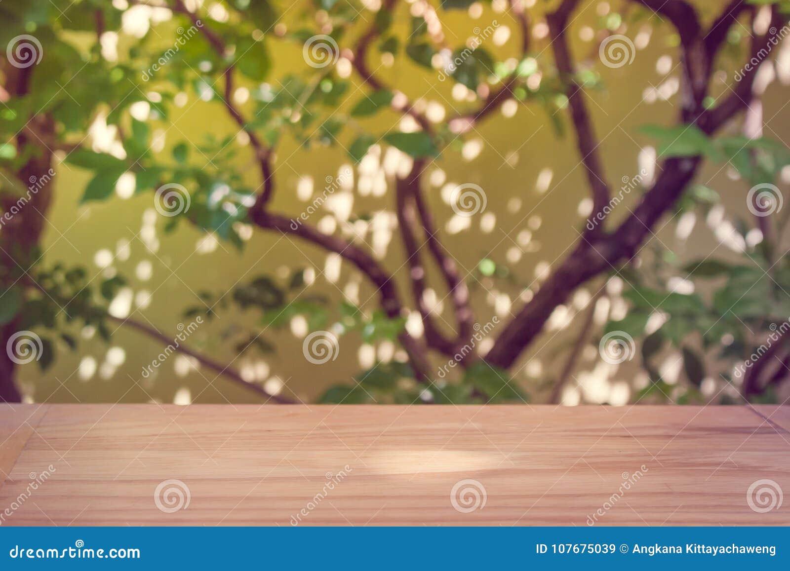 Plancher En Bois Avec Naturel Vert A L Arriere Plan Au