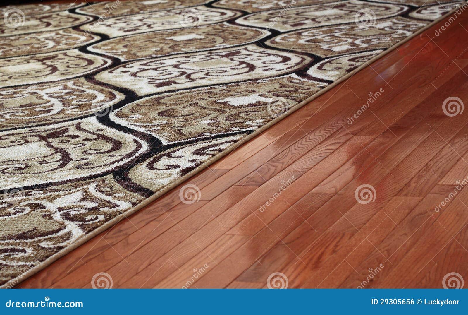 Plancher en bois dur de cache de couverture