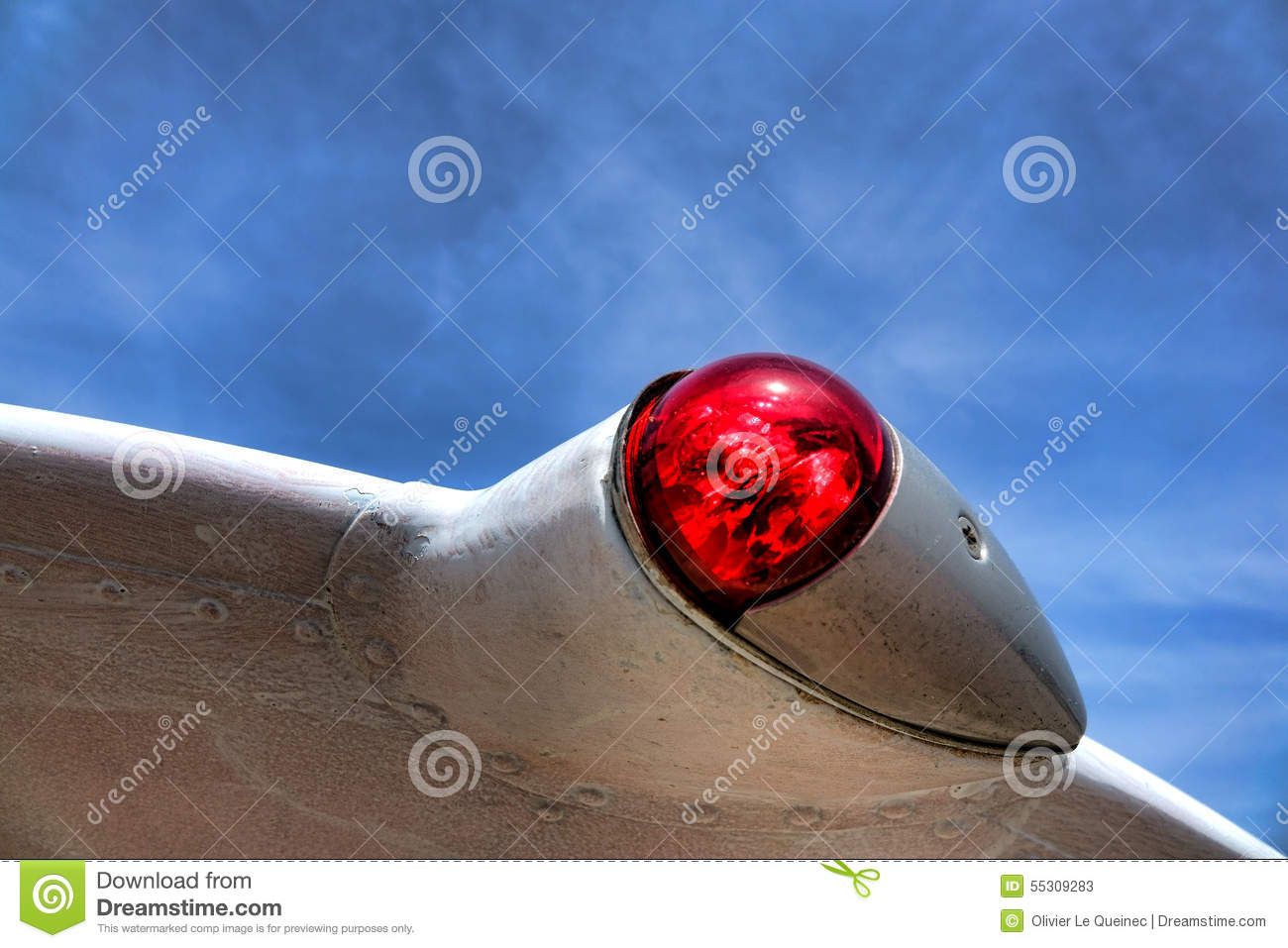 plane-left-wing-navigation-red-light-pos