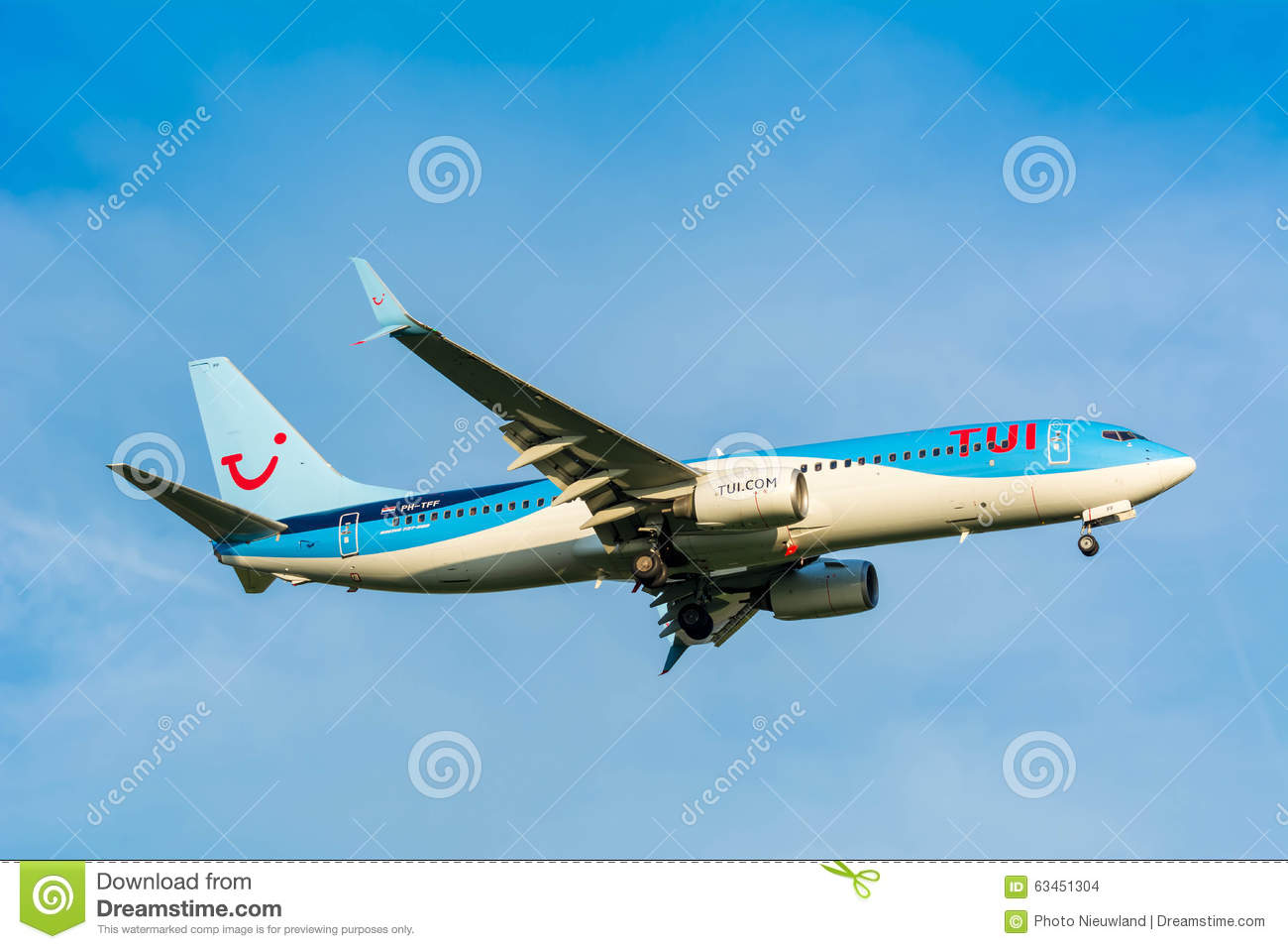 Plane from TUI (Arkefly) Boeing 737-800 PH-TFF is preparing for landing