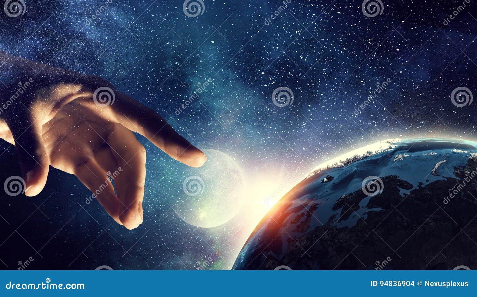 Planeta conmovedor con el finger