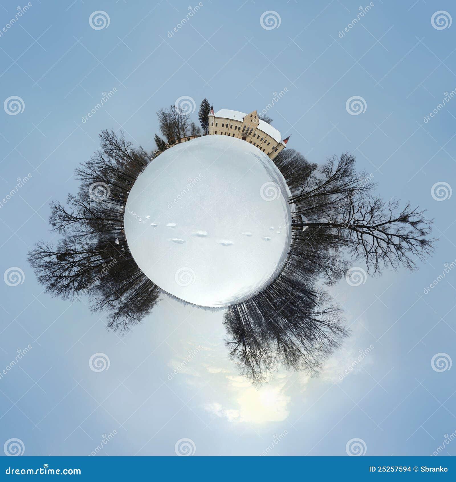 Planeta de Luznica do castelo durante o inverno