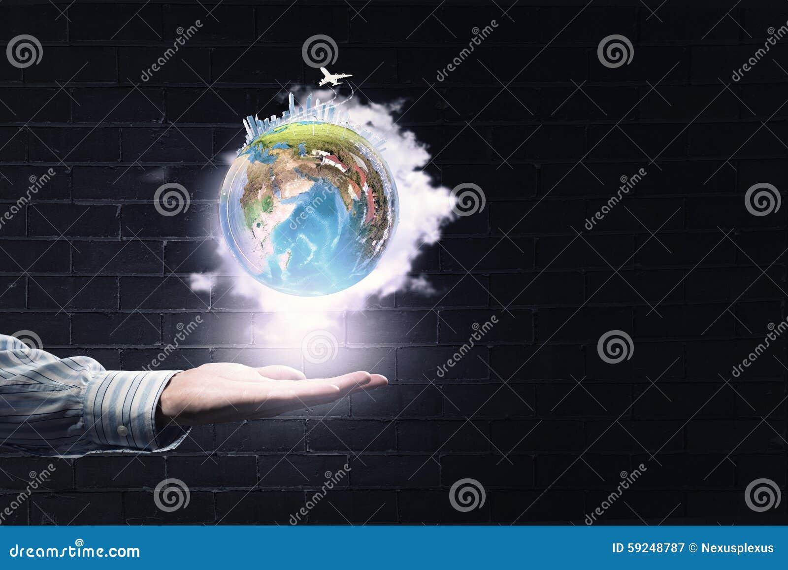 Planeta en manos