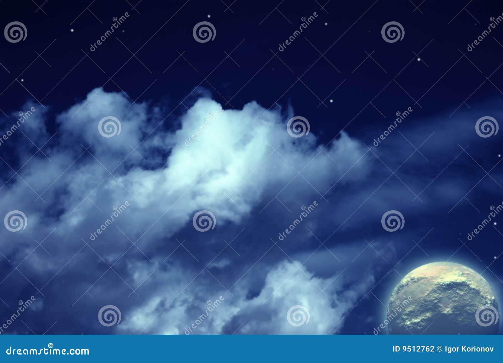 Planeta, luna y estrellas en cielo nublado