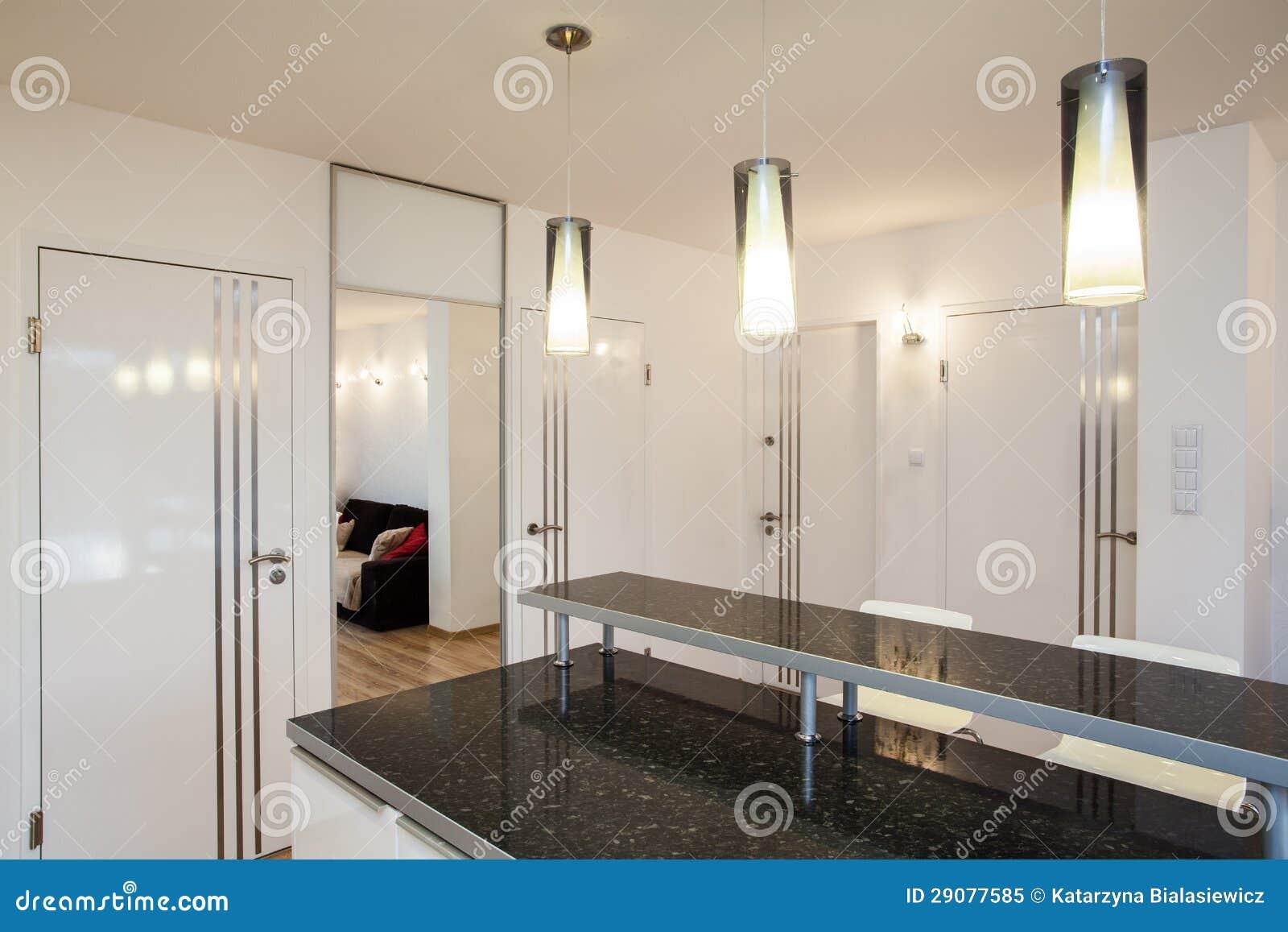 Foto de Stock Royalty Free: Plano à moda bancada na cozinha #82A328 1300 957
