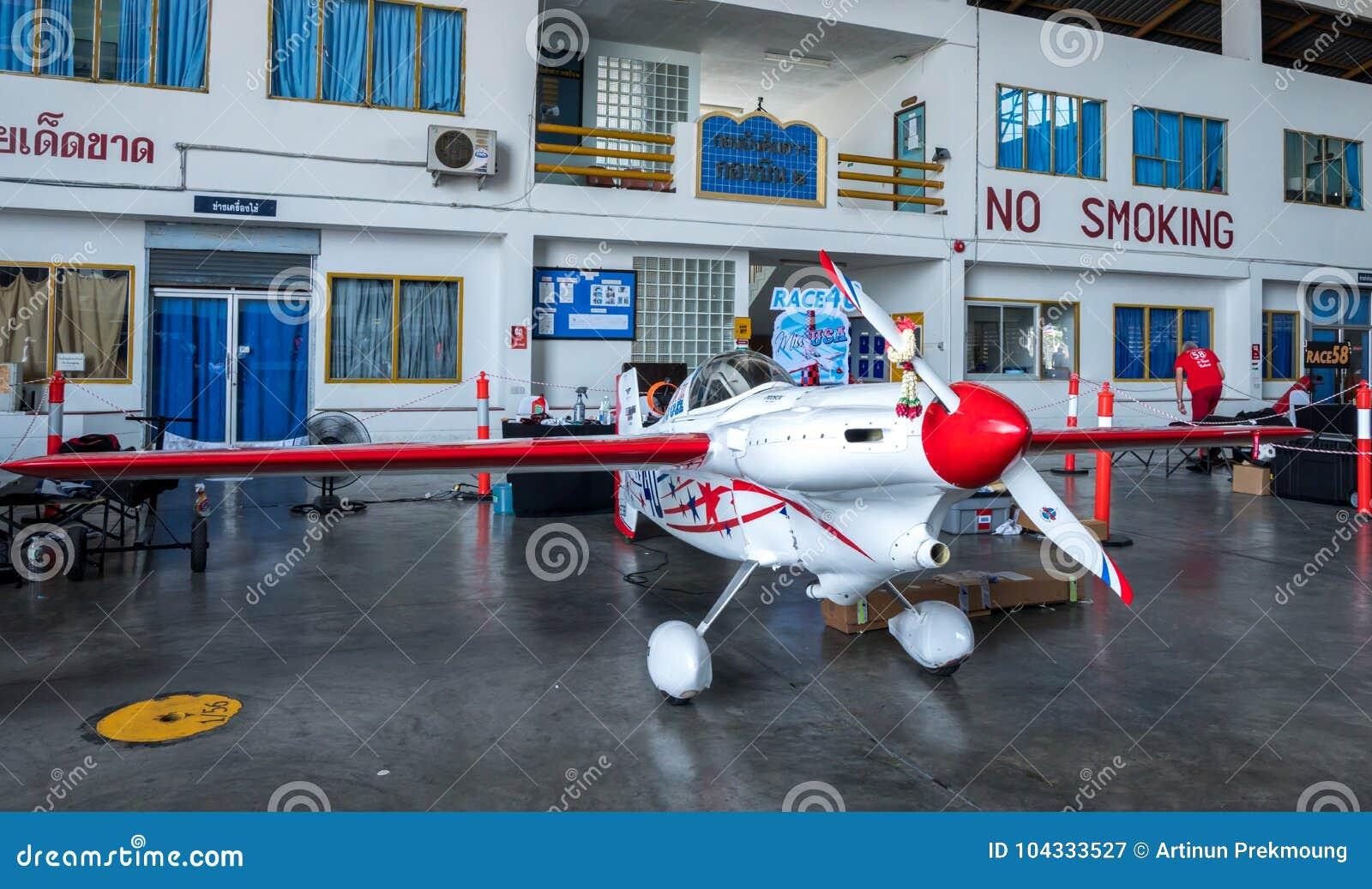 Plano do ` s de Chip Mapoles nenhum 40 aviões do ` da senhorita EUA do ` modelam Cassutt Slipknot no campeonato do mundo Tailândi