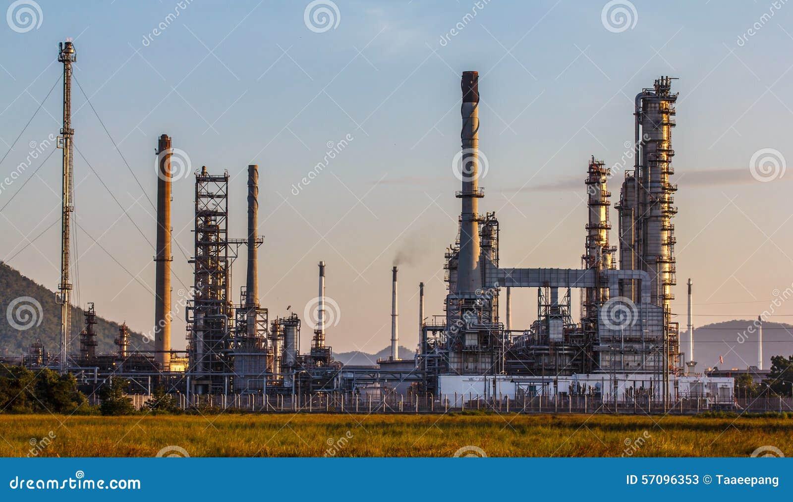 Planta de la refinería de petróleo