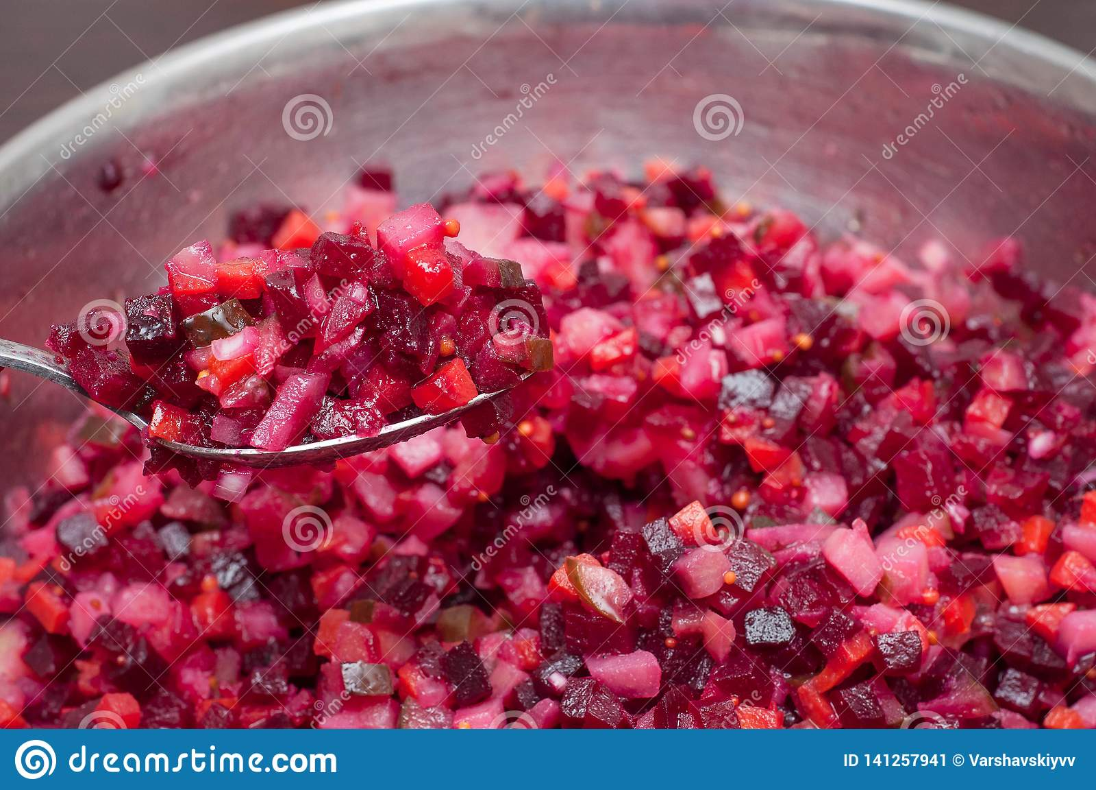 Plantaardige salade met diverse ingrediënten