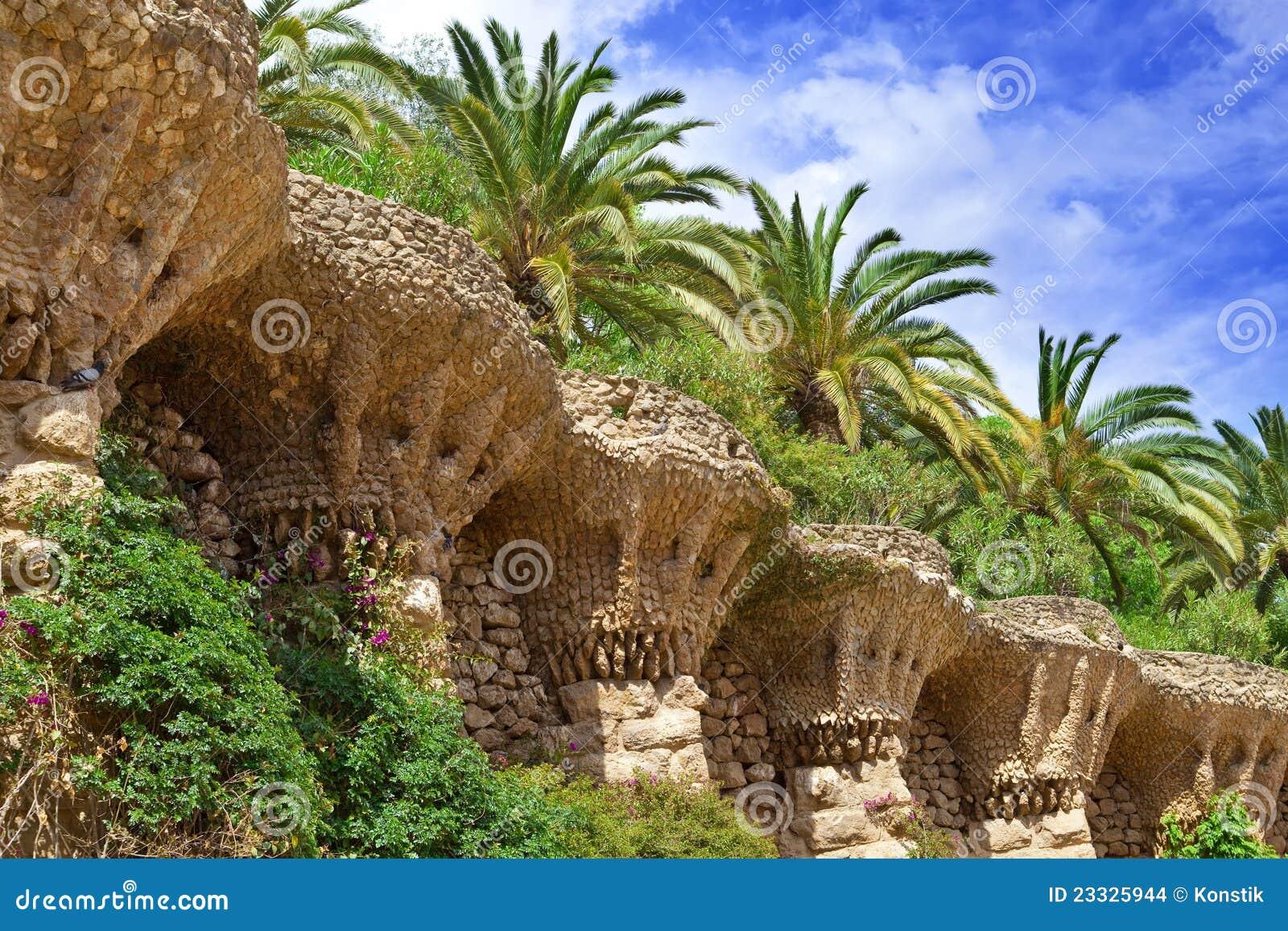 flores tropicais jardim : flores tropicais jardim:Plantas Tropicais No Jardim Imagens de Stock – Imagem: 23325944