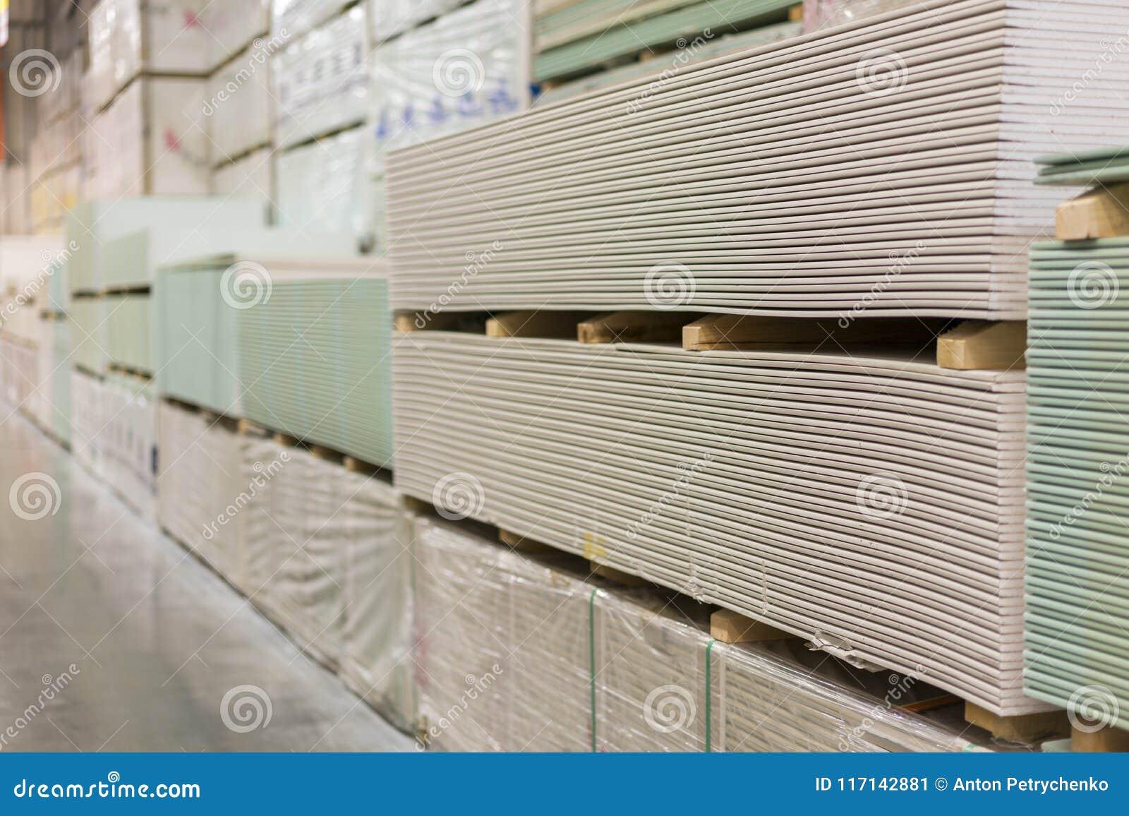 Plaque de plâtre de gypse dans le paquet