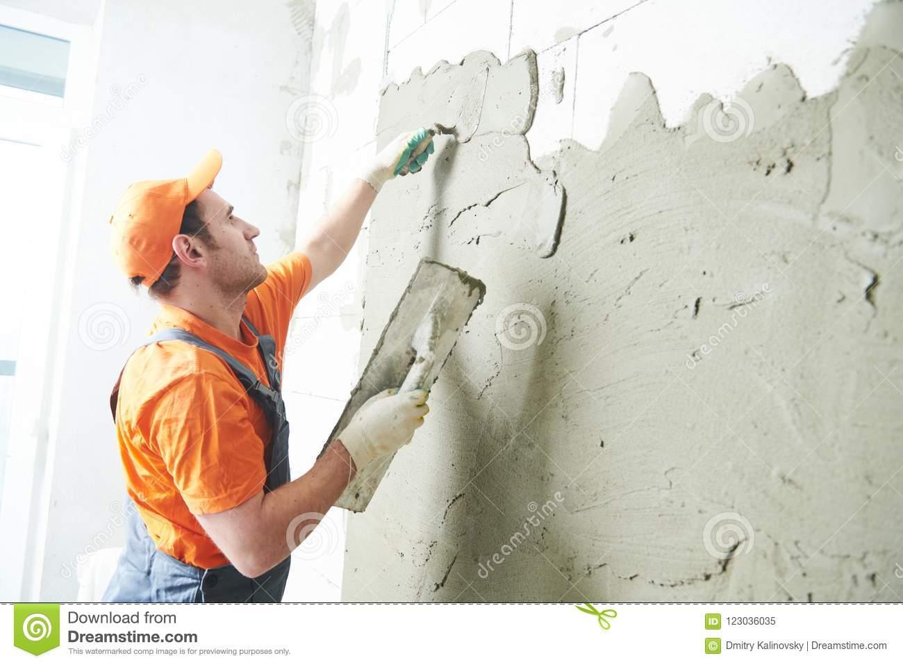 What is the difference between plaster and putty - the main points