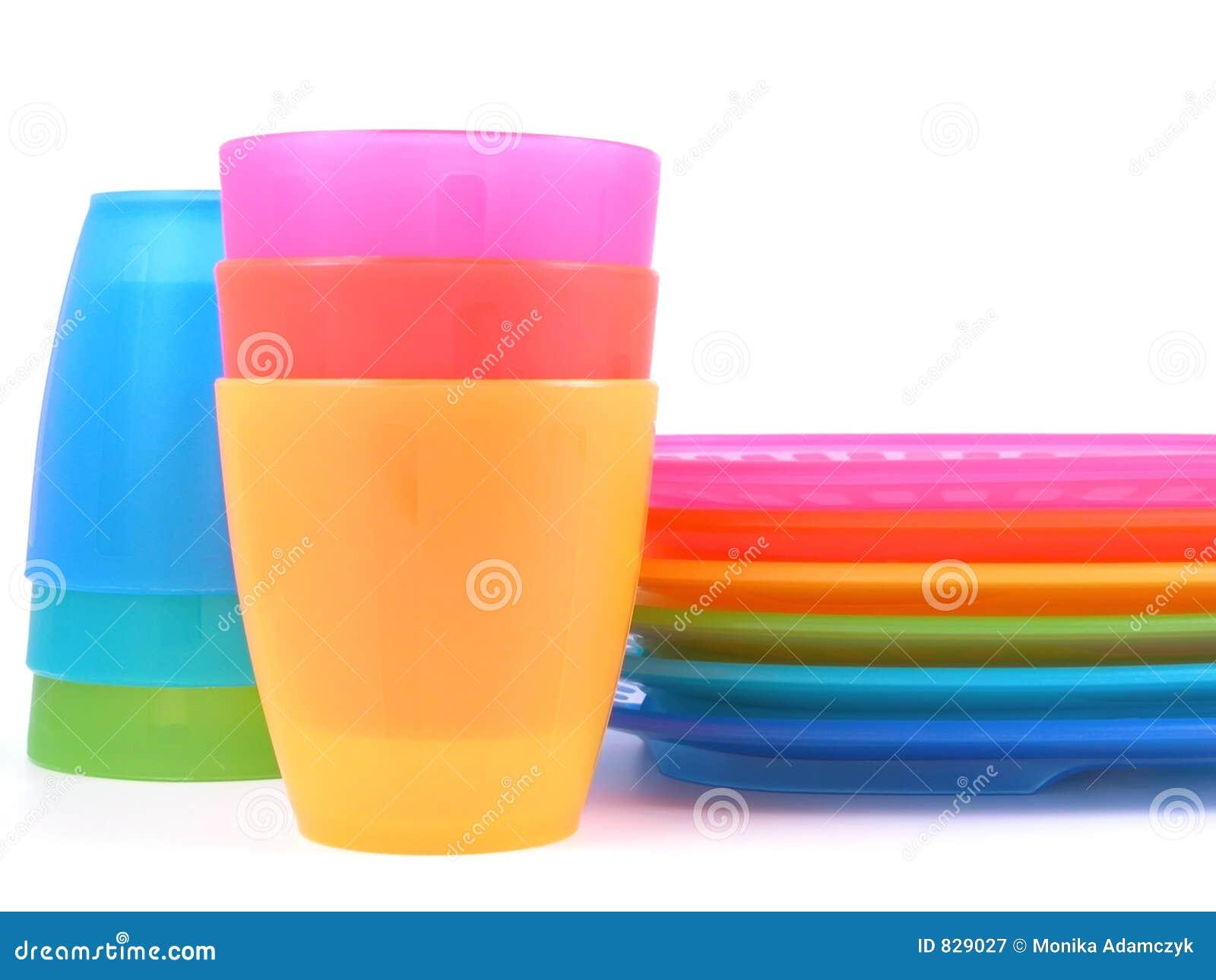sc 1 st  CartoonDealer.com & Plastic Cups And Plates Stock Photography   CartoonDealer.com #9285122