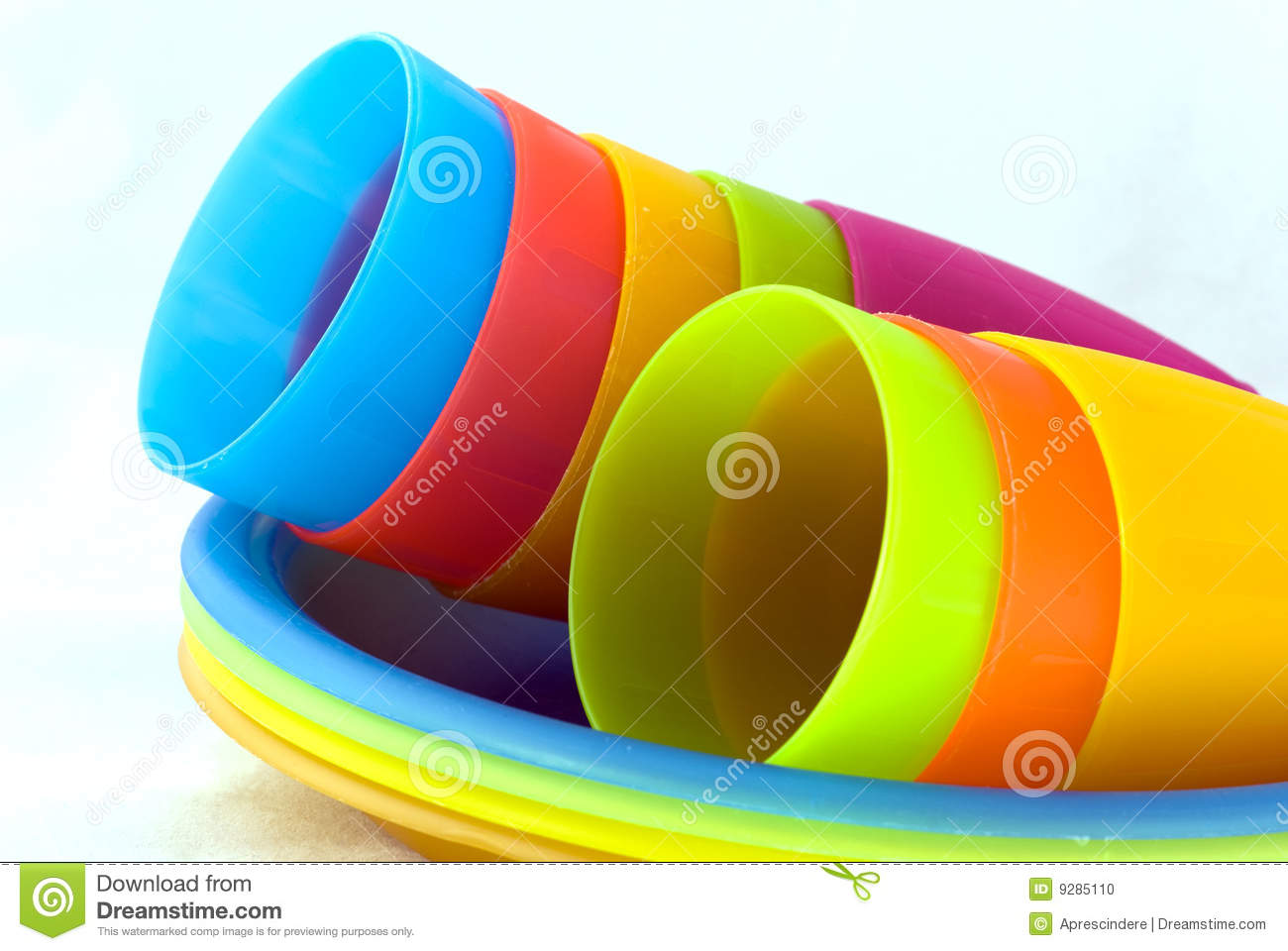 Plastic cups and plates & Plastic cups and plates stock photo. Image of children - 9285110