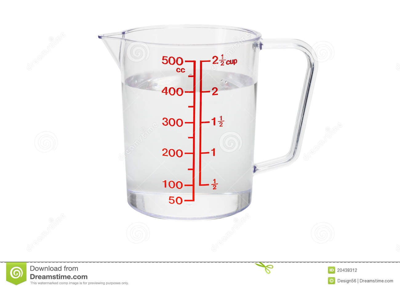 Plastic keuken die kop meet die met water wordt gevuld