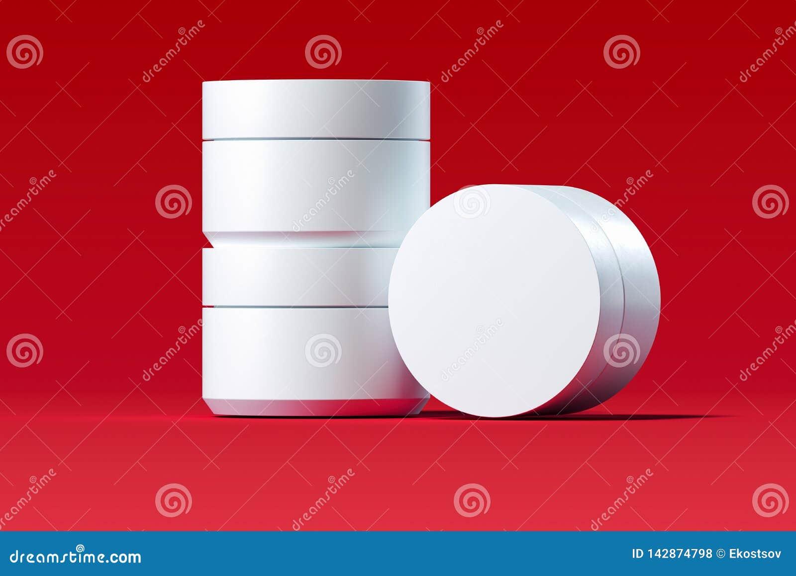 Plastic Kosmetische Flessen voor room, lotion op rode achtergrond het 3d teruggeven