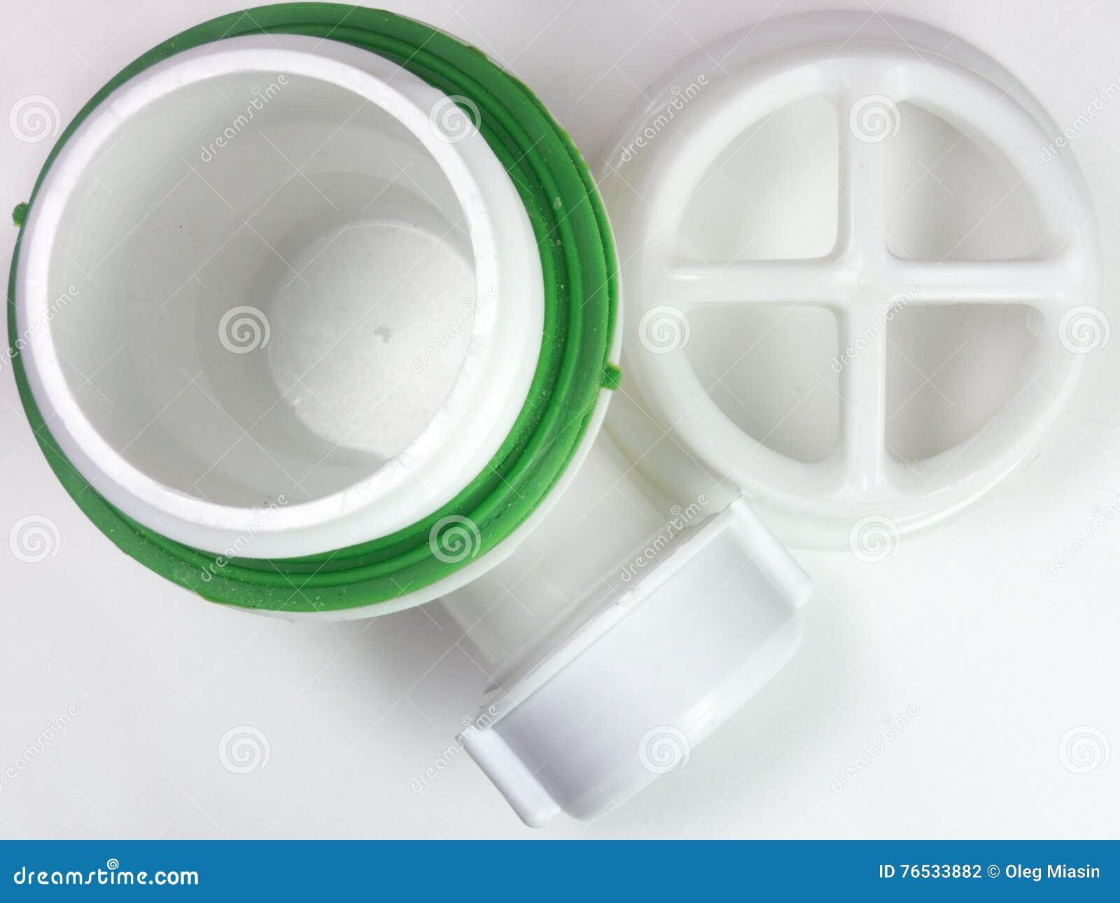 Plastic net voor afvoerkanaal voor gat van de gootsteen Een fragment van D
