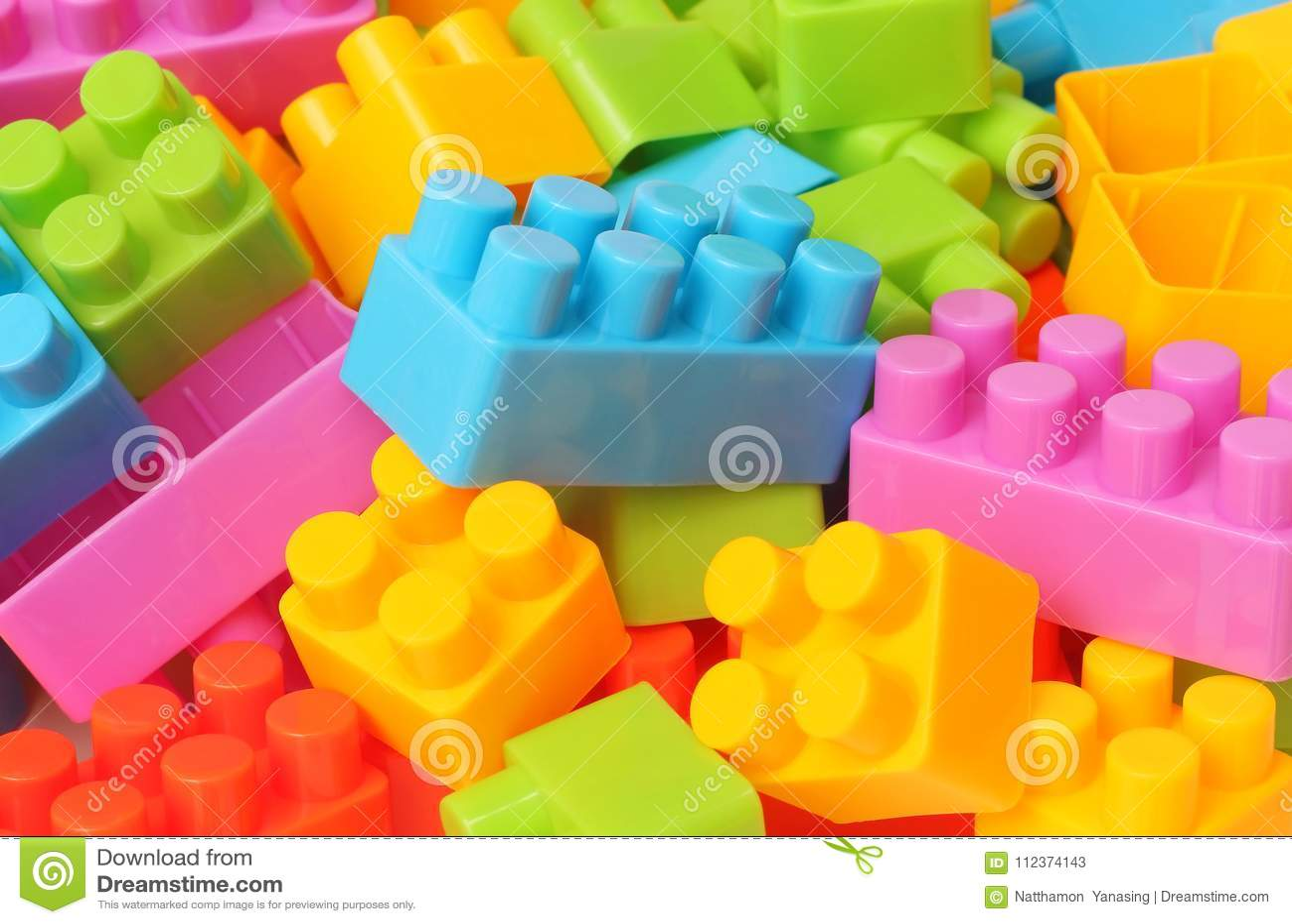 Spiksplinternieuw Plastic Stuk Speelgoed Bouwstenen Stock Afbeelding - Afbeelding VA-85