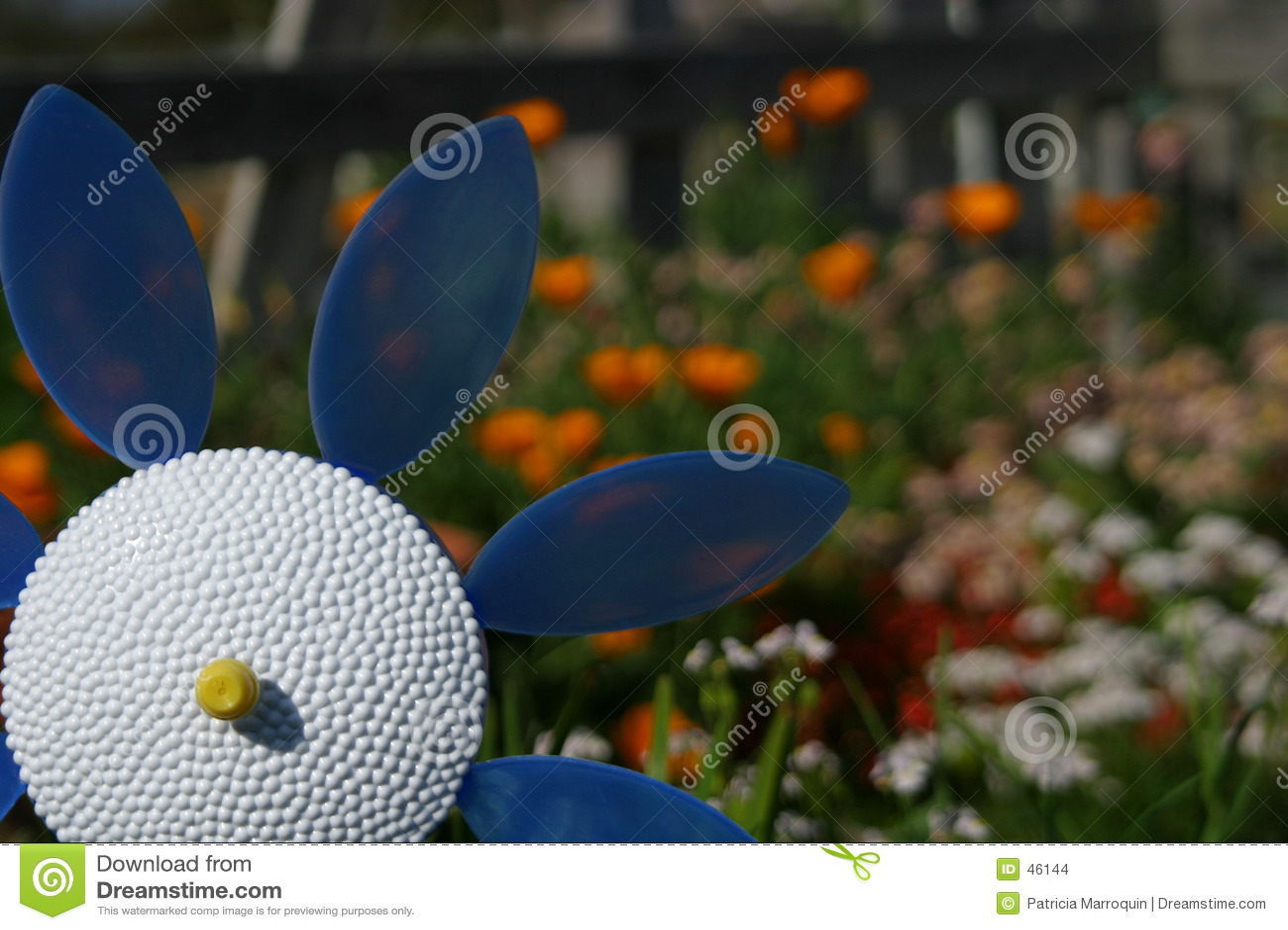 Plastikowe kwiaty ogrodu
