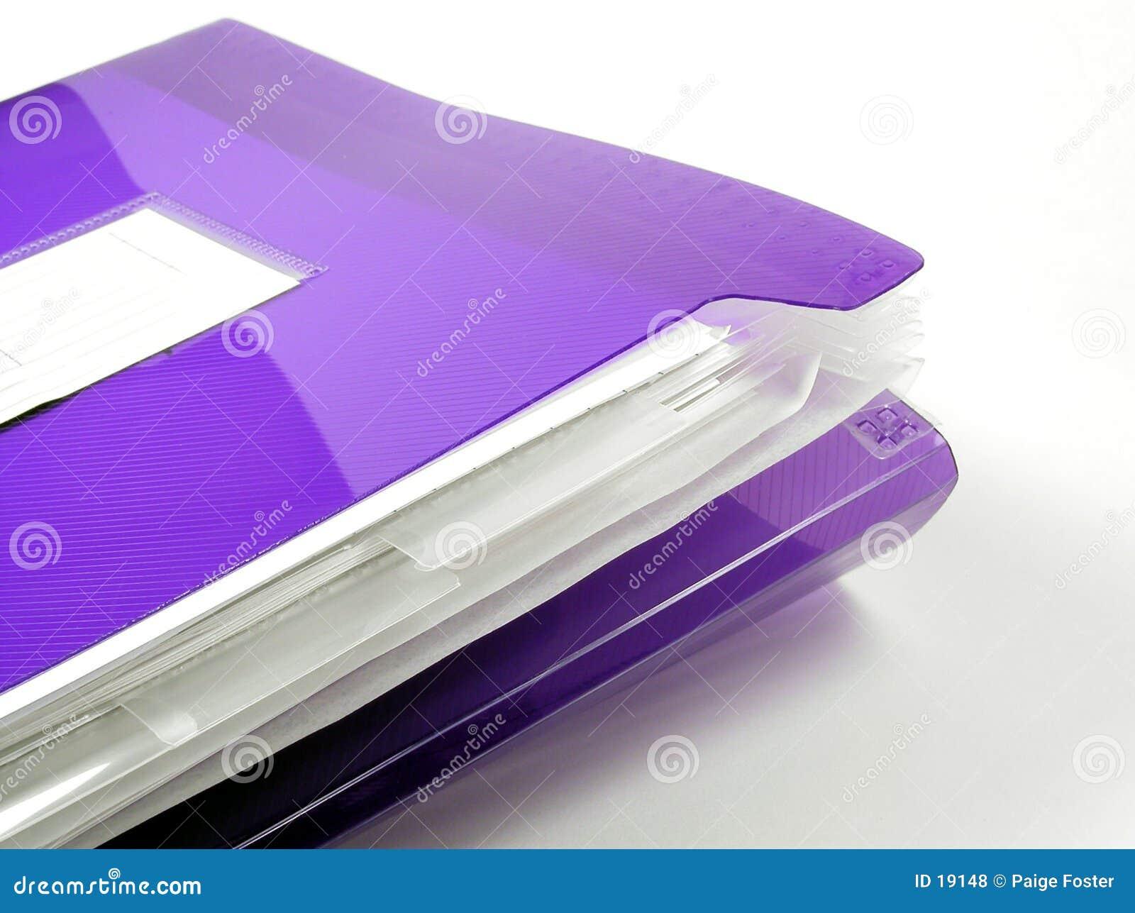 Plastikowe skoroszytowe purpurowy