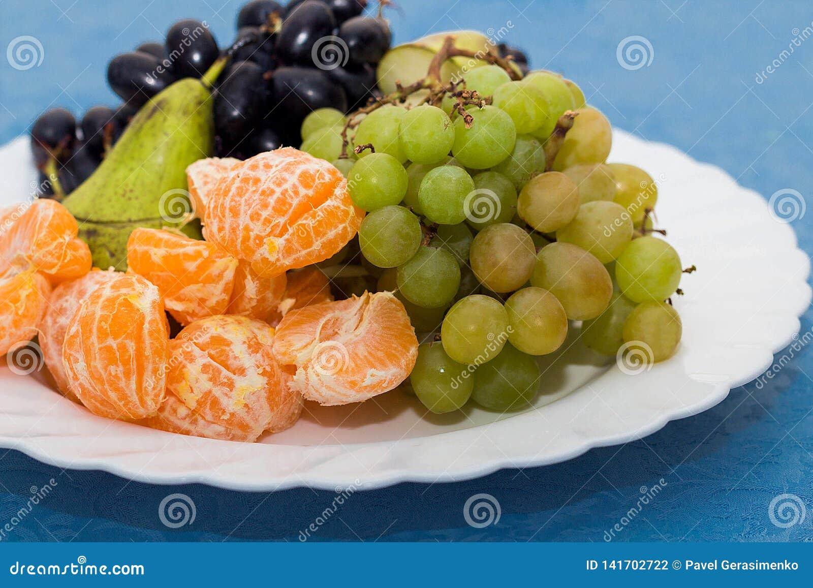Plat avec le plateau de fruit, table de Reston