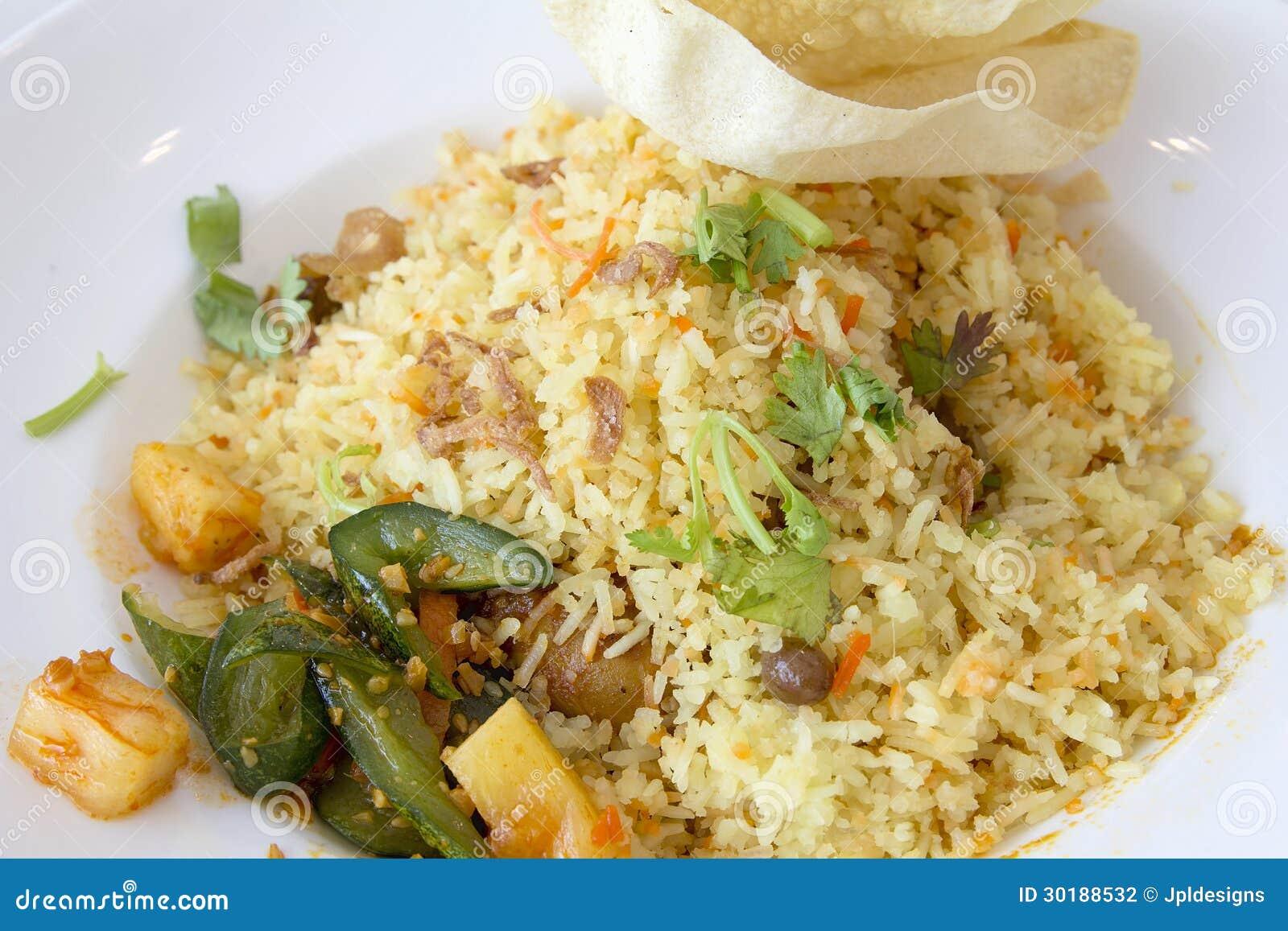 plan rapproch de plat de riz de nasi briyani d 39 indien photographie stock image 30188532. Black Bedroom Furniture Sets. Home Design Ideas