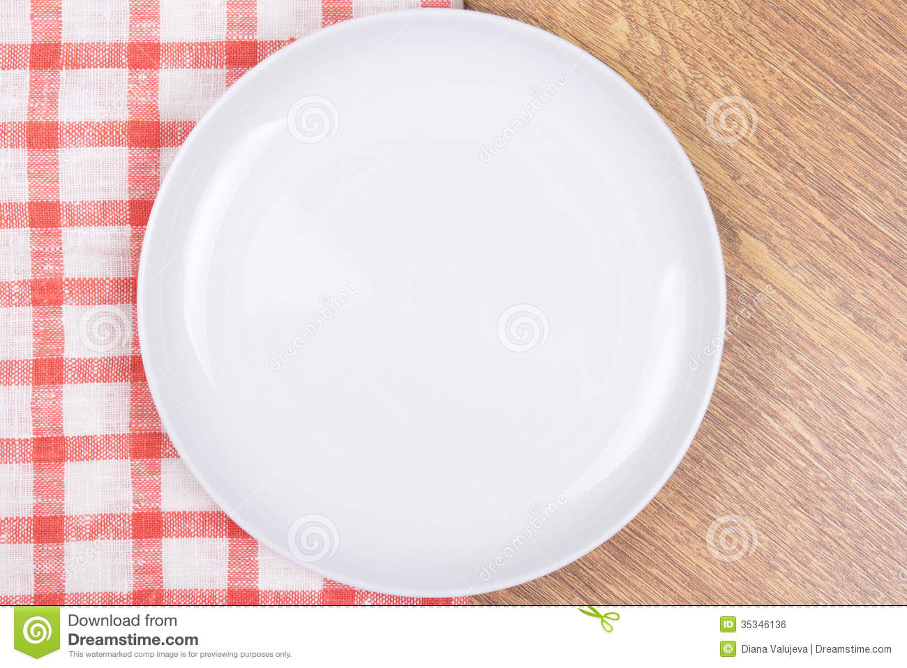 Nappe Table Bois : White Wooden Table with Plates