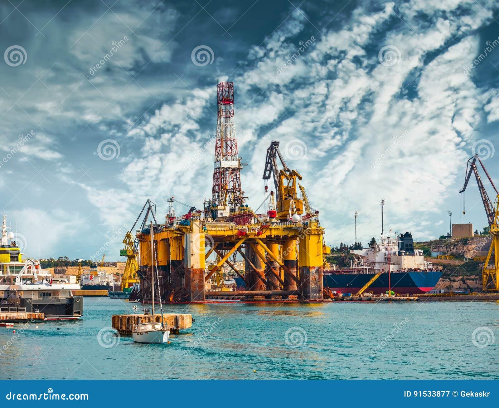 Plataforma petrolera en la reparación