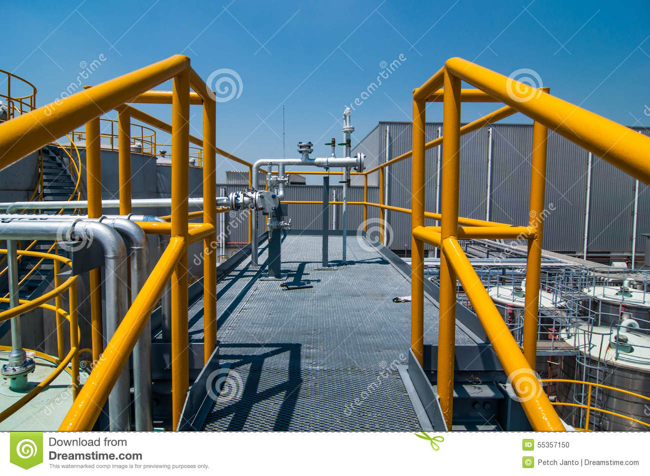 Plate Form Structure Process Oil Pipeline Stock Photo - Image ...