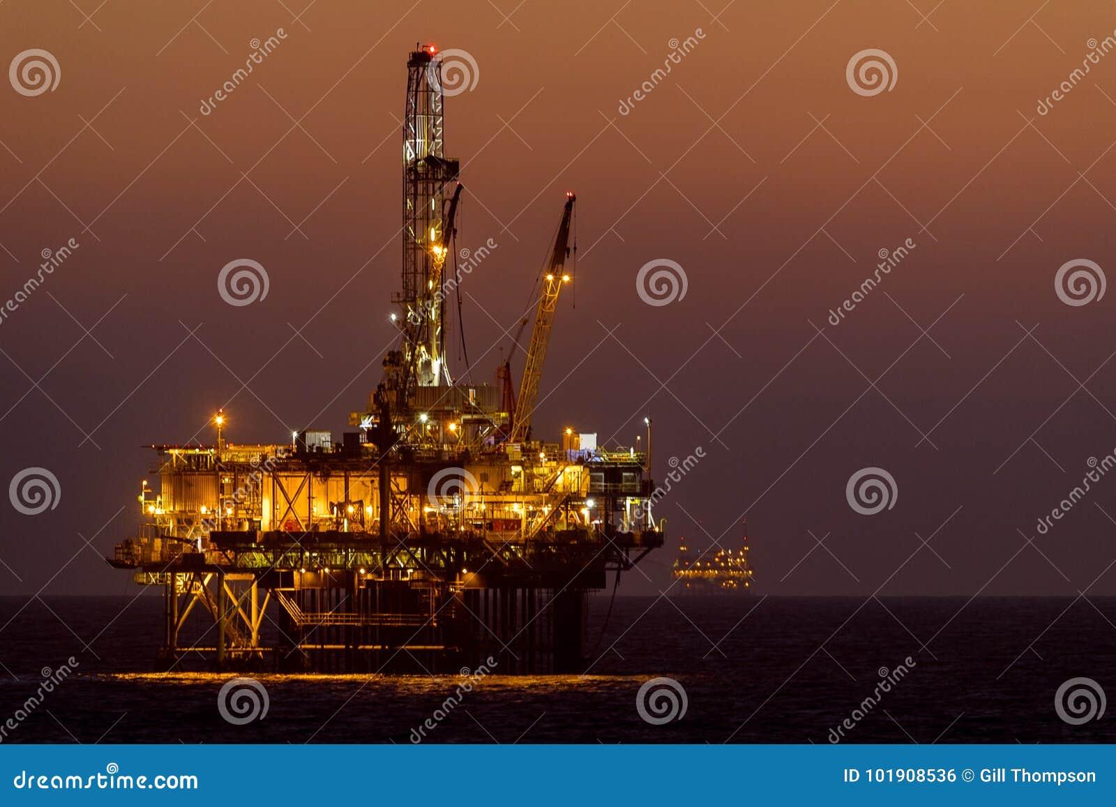 Plate-forme de pétrole marin de Huntington Beach/installation