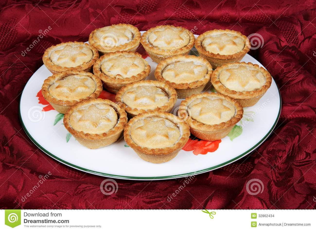 Plate of mince pies. & Plate of mince pies. stock photo. Image of deserts mince - 32862434