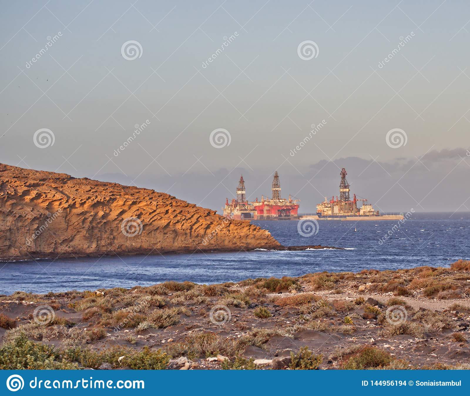 Plateformes pétrolières dans Medano