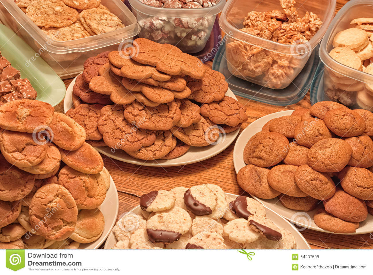 plates-christmas-cookies-table-full-cont