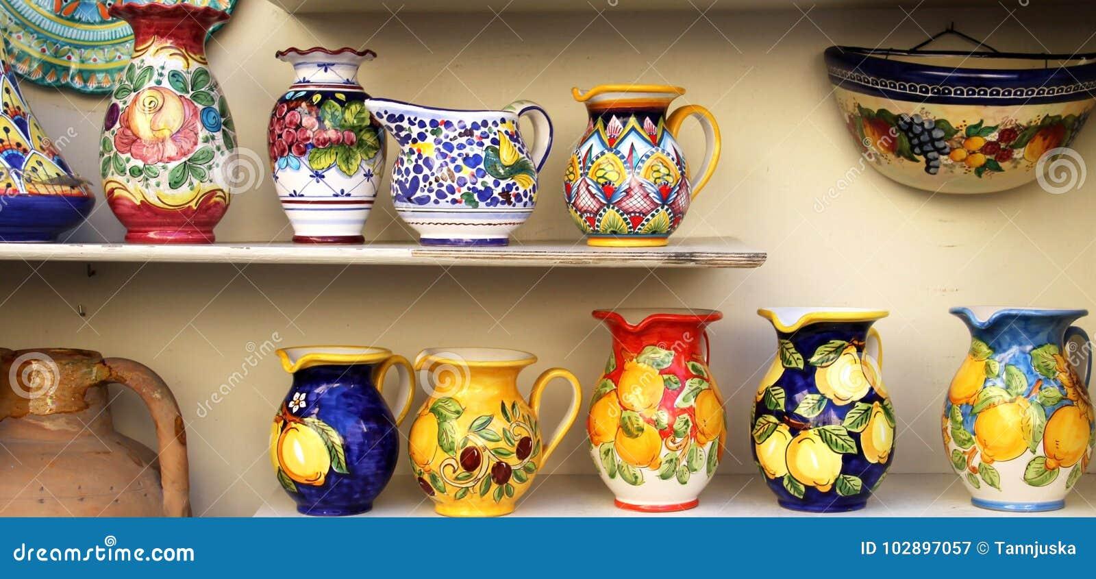 Plato de cerámica de la costa de Amalfi