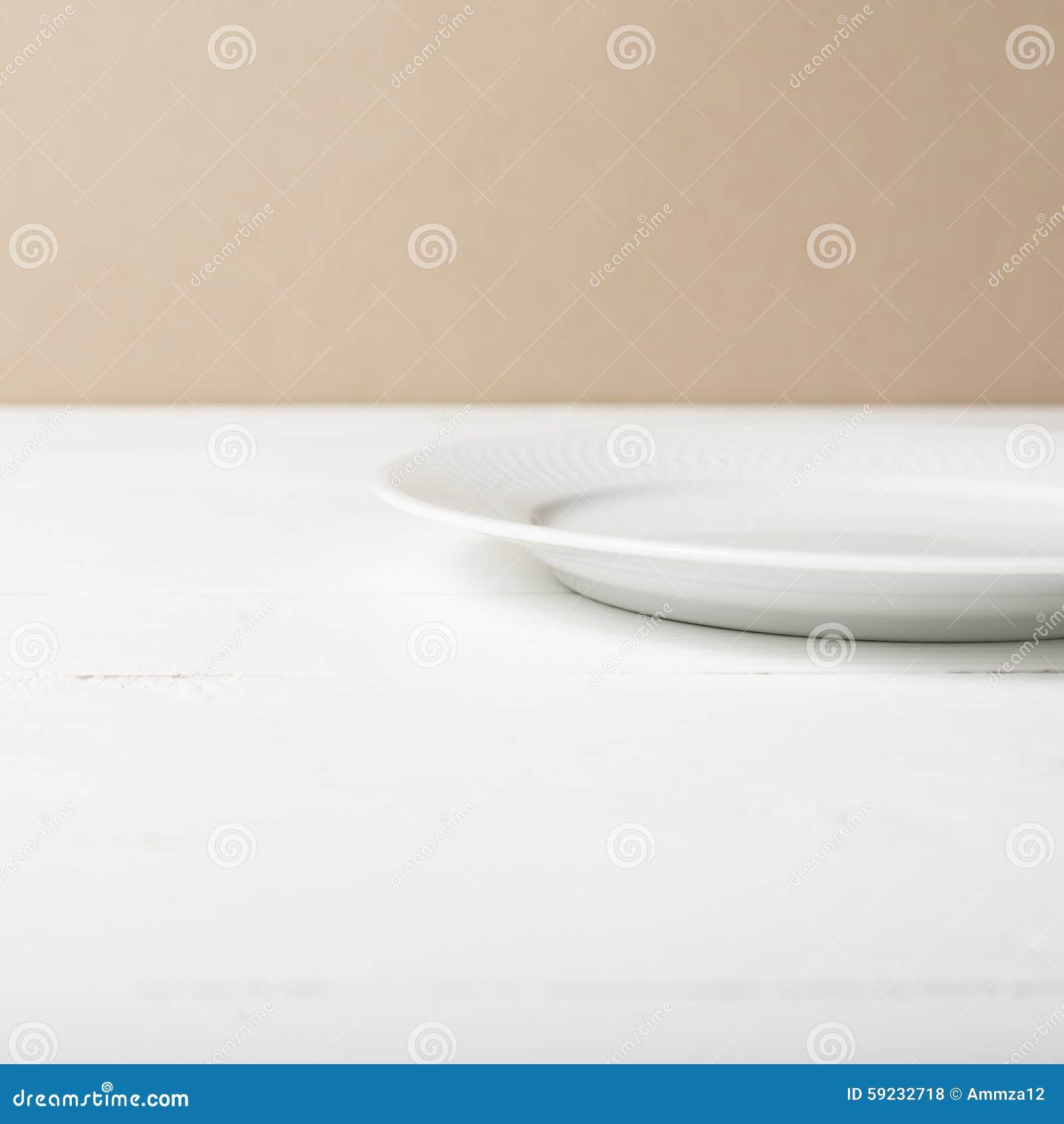 Download Plato vacío foto de archivo. Imagen de mantel, kitchenware - 59232718