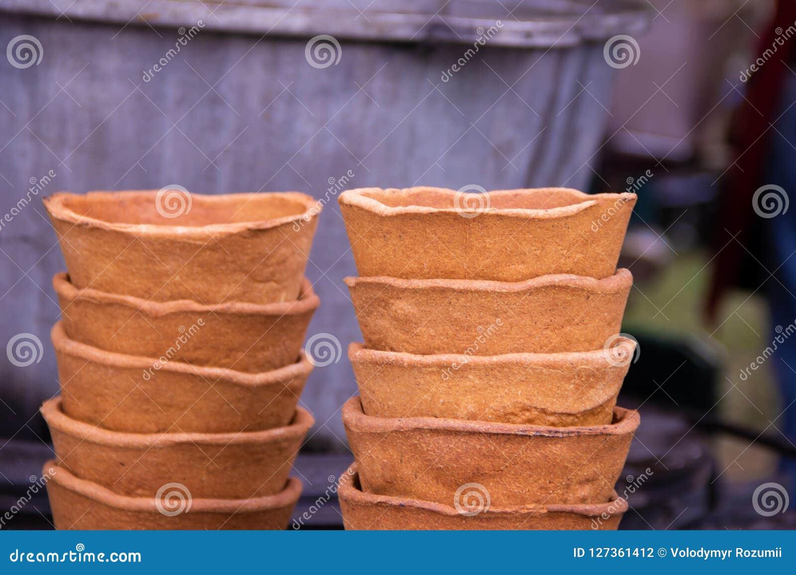 Platos de Eco, una placa del pan en el festival de la comida de la calle