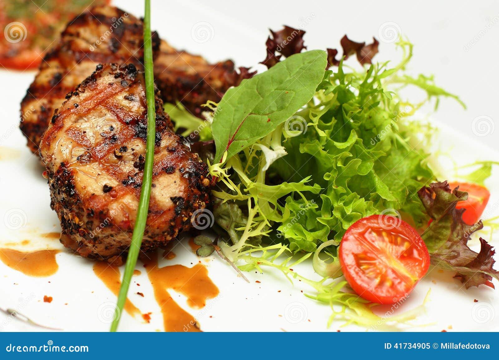 Plats gastronomiques viande de restaurant photo stock for Viande cuisinee