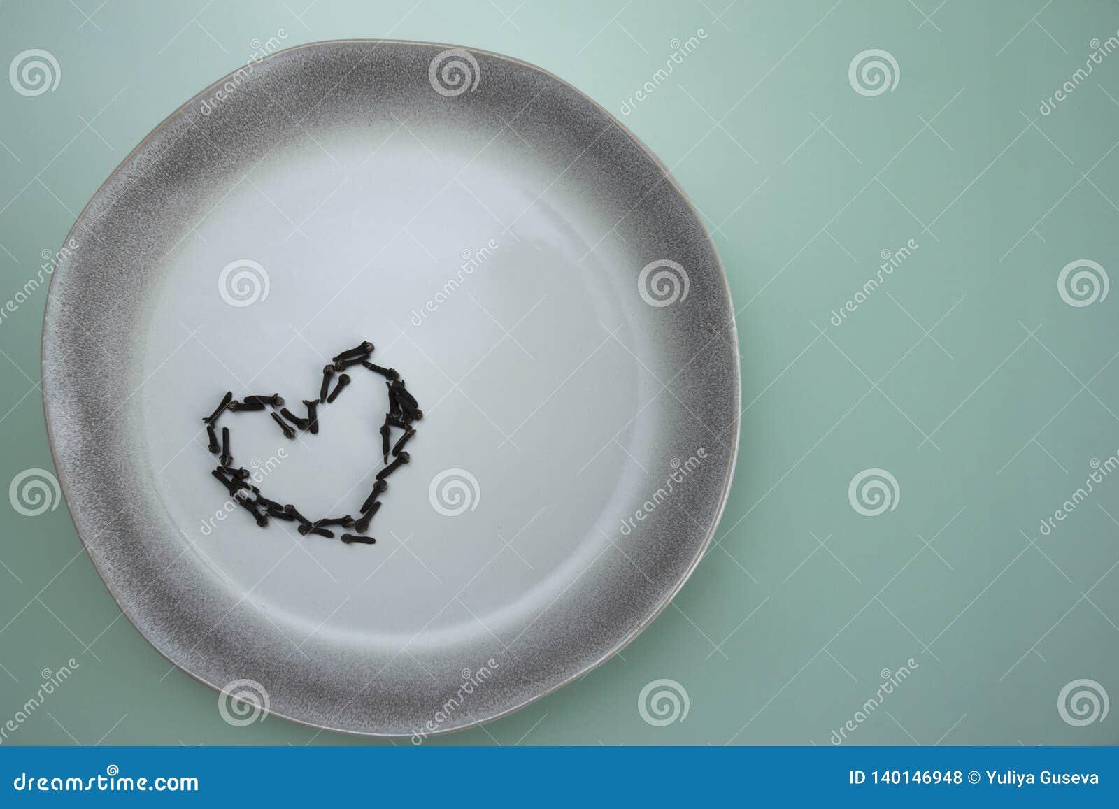 Platta för krydda för kryddnejlika för maträttkeramikförälskelse