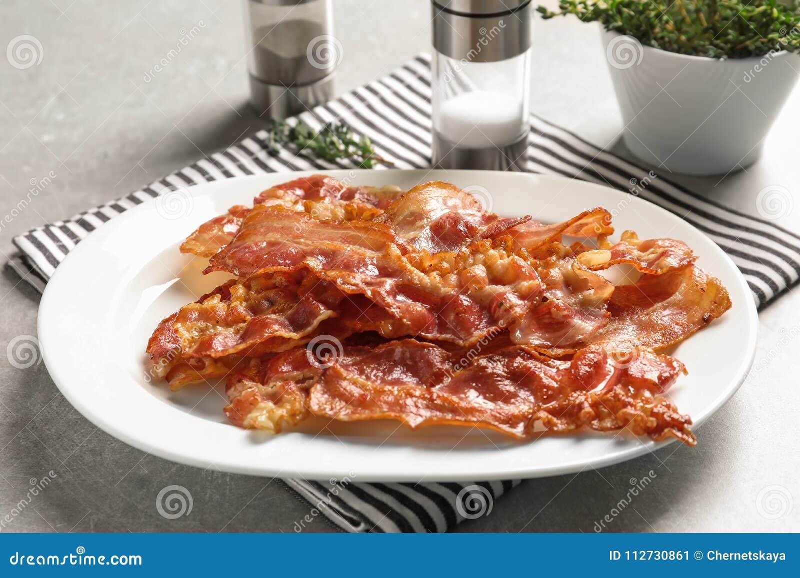 Platta med stekt bacon
