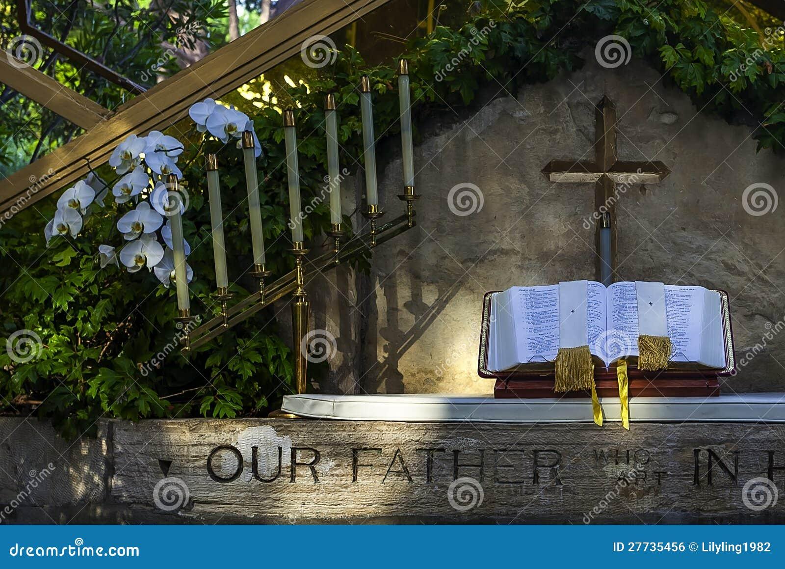 Plattform in der Kirche