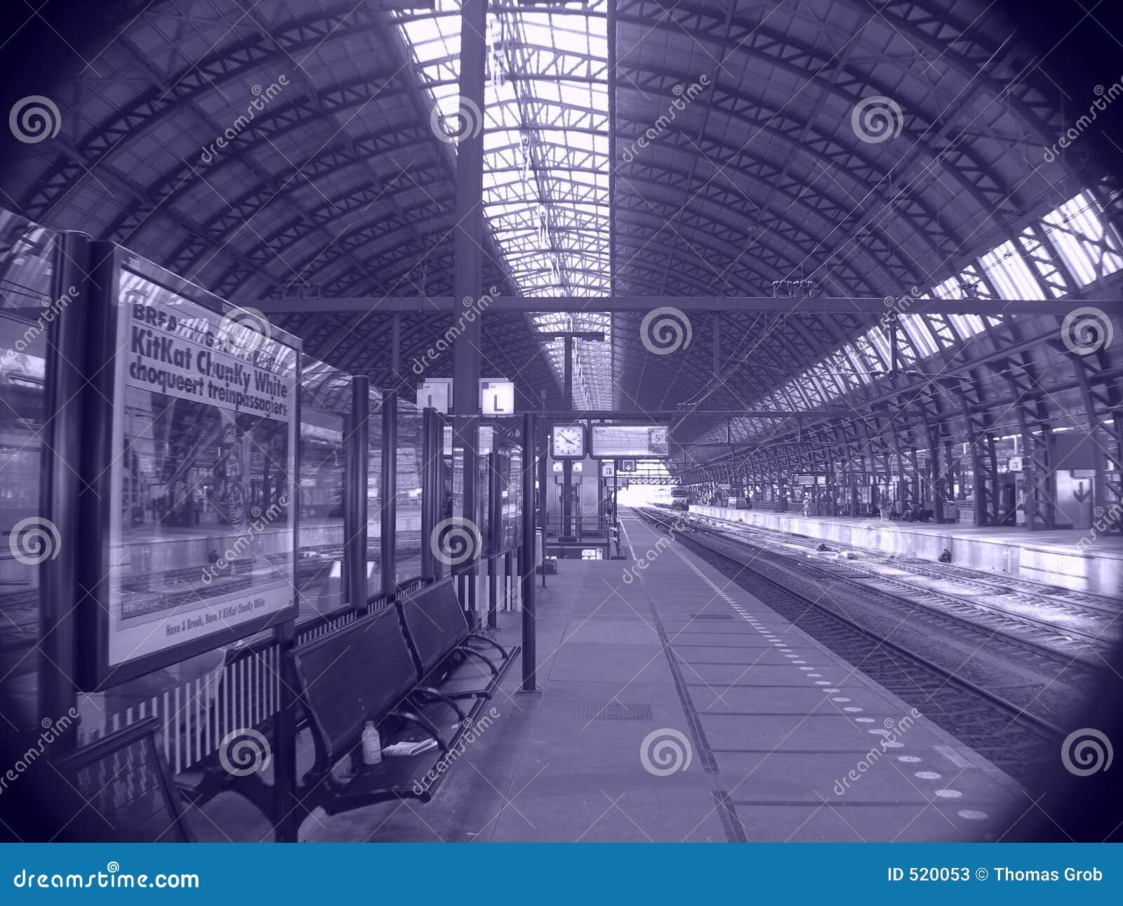 Plattformsjärnvägstation