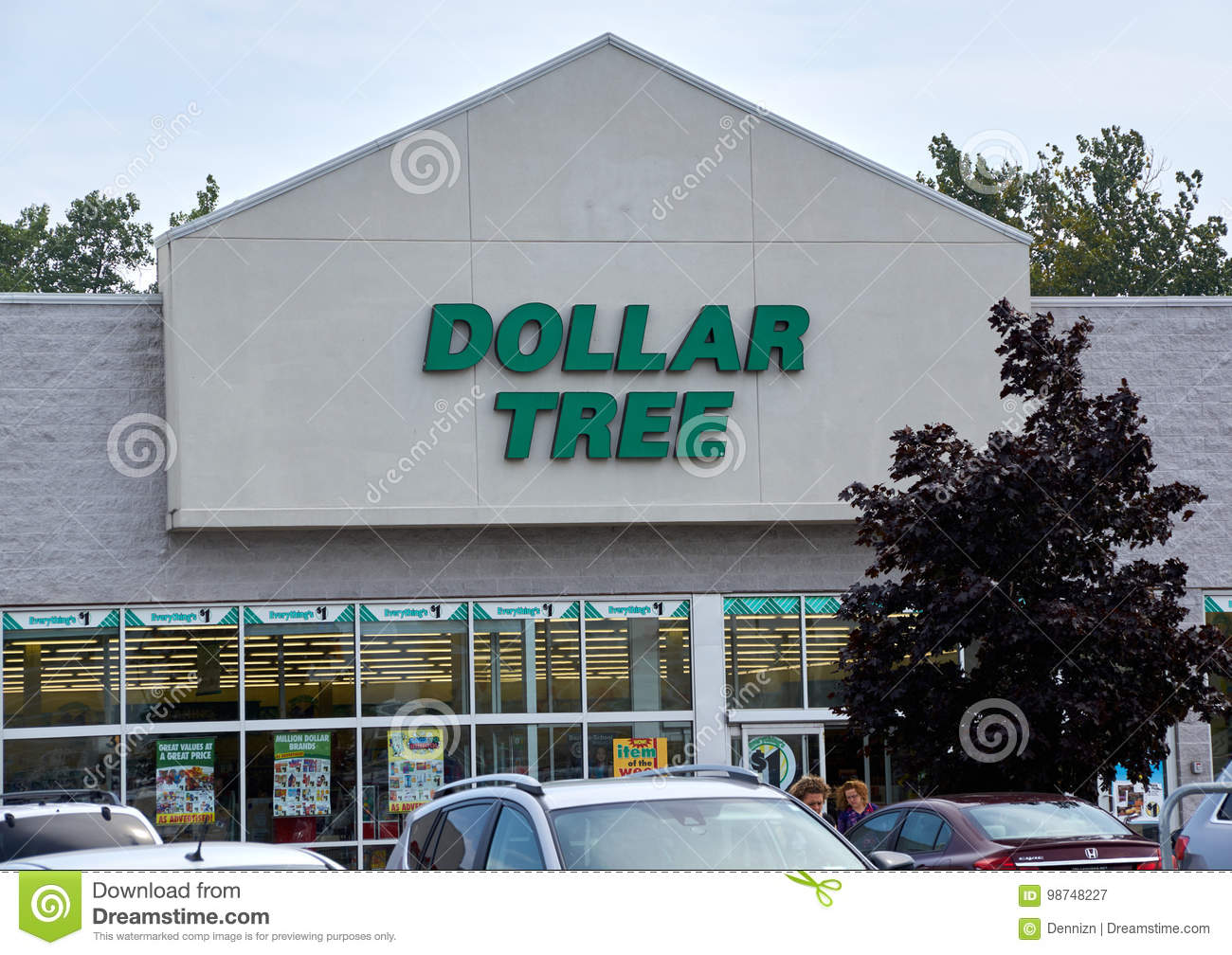 Dollar Tree Store And Sign. Editorial Photography - Image ...