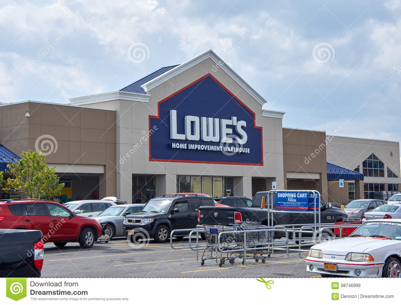 Lowe S Store Editorial Stock Image Image Of Improvement 98746999