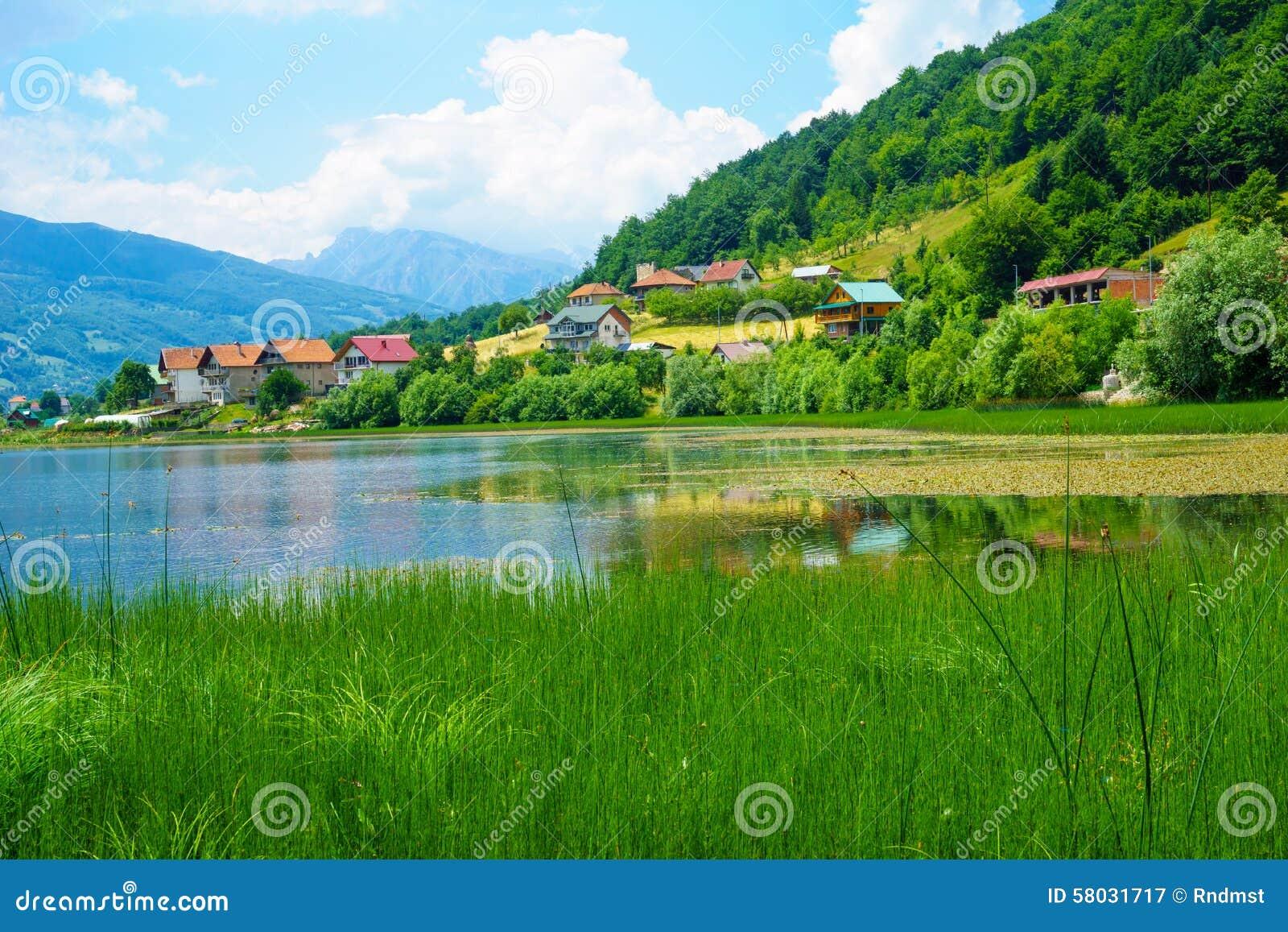 Plav湖