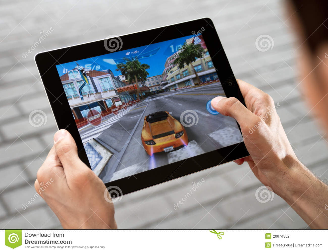 Play Game On Apple Ipad2 Editorial Photography - Image: 20674852
