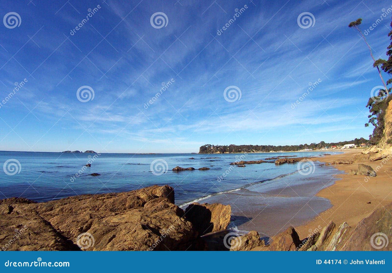 Download Playa australiana foto de archivo. Imagen de rocas, horizonte - 44174