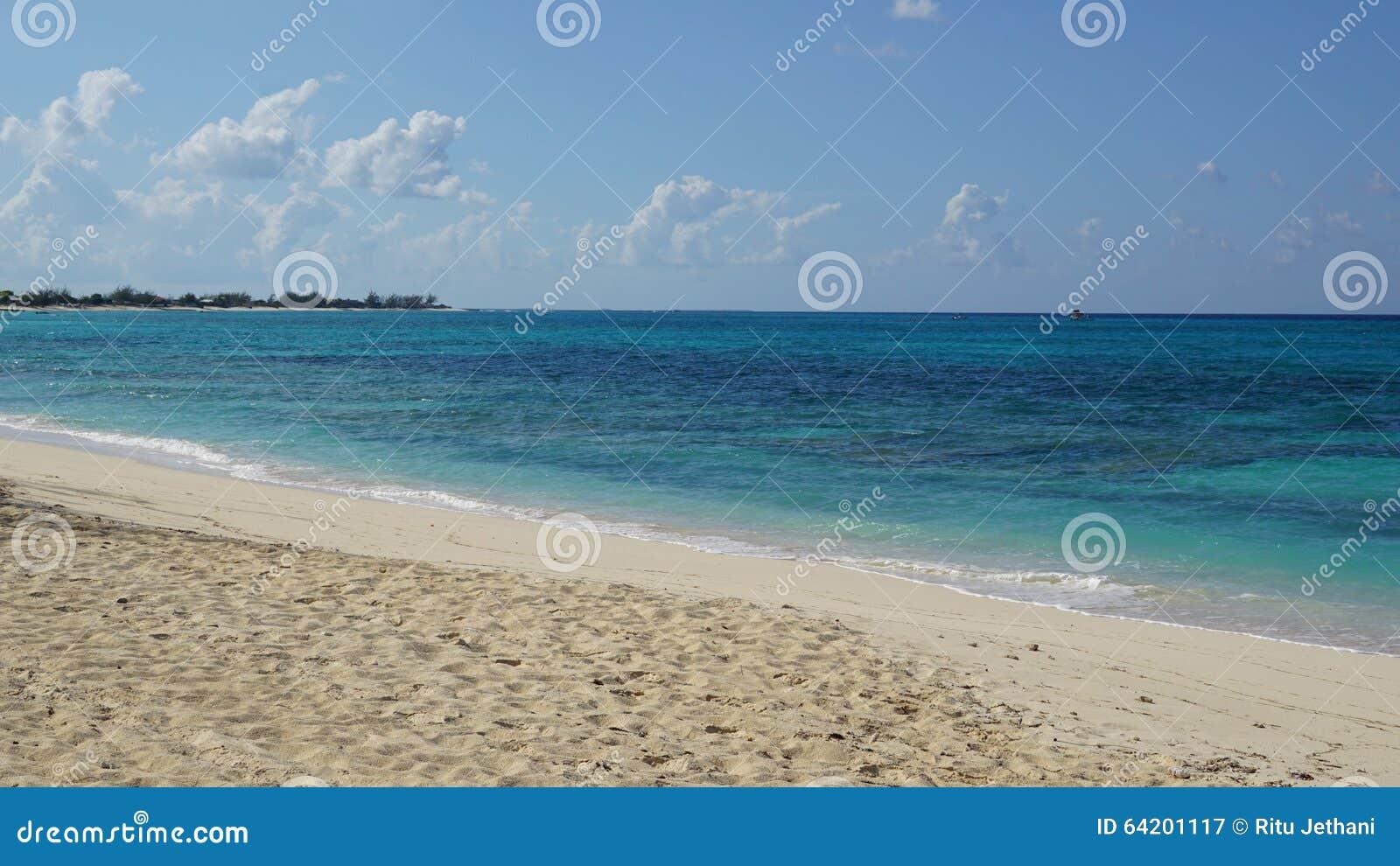 Playa de la ciudad de Cockburn en Turk Island magnífico