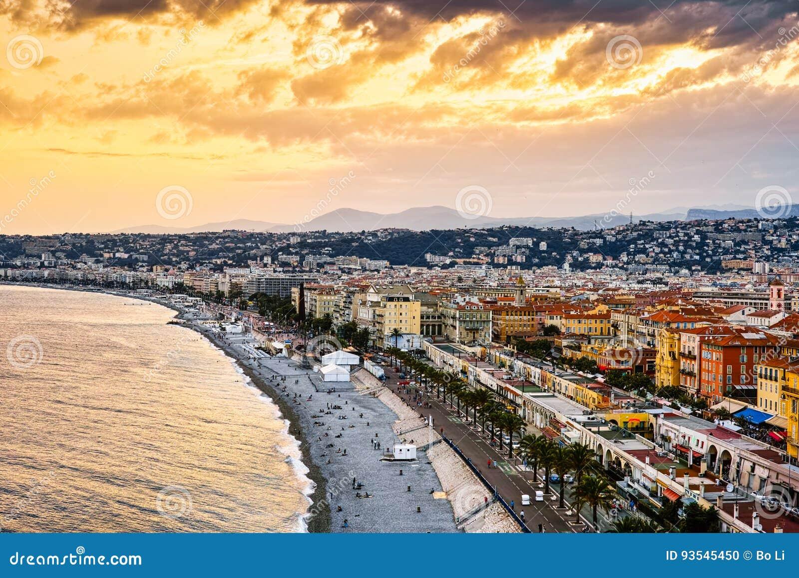 Playa de oro de Niza, Francia